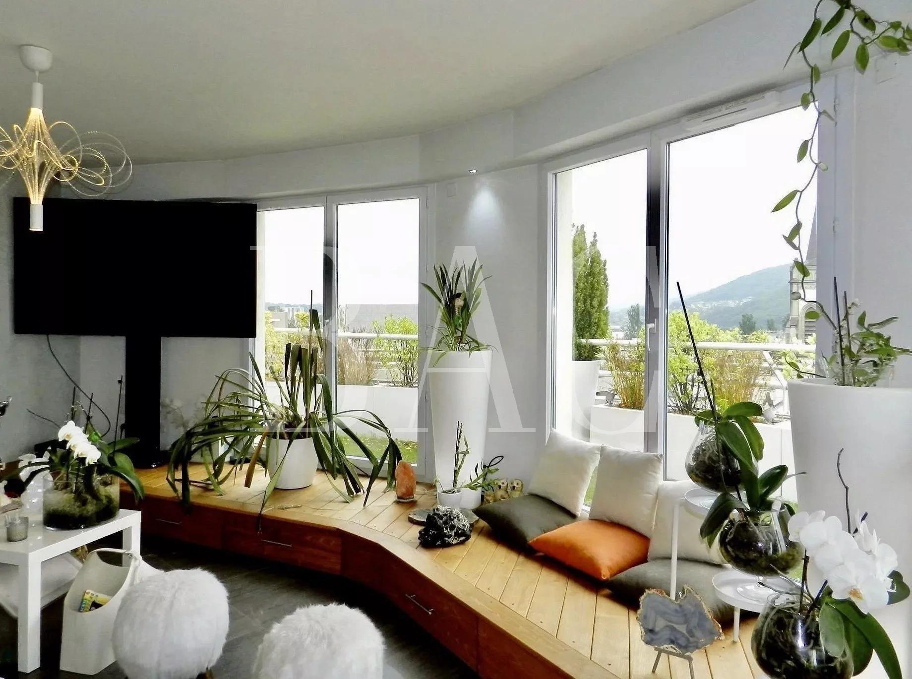Annemasse superb attic apartment