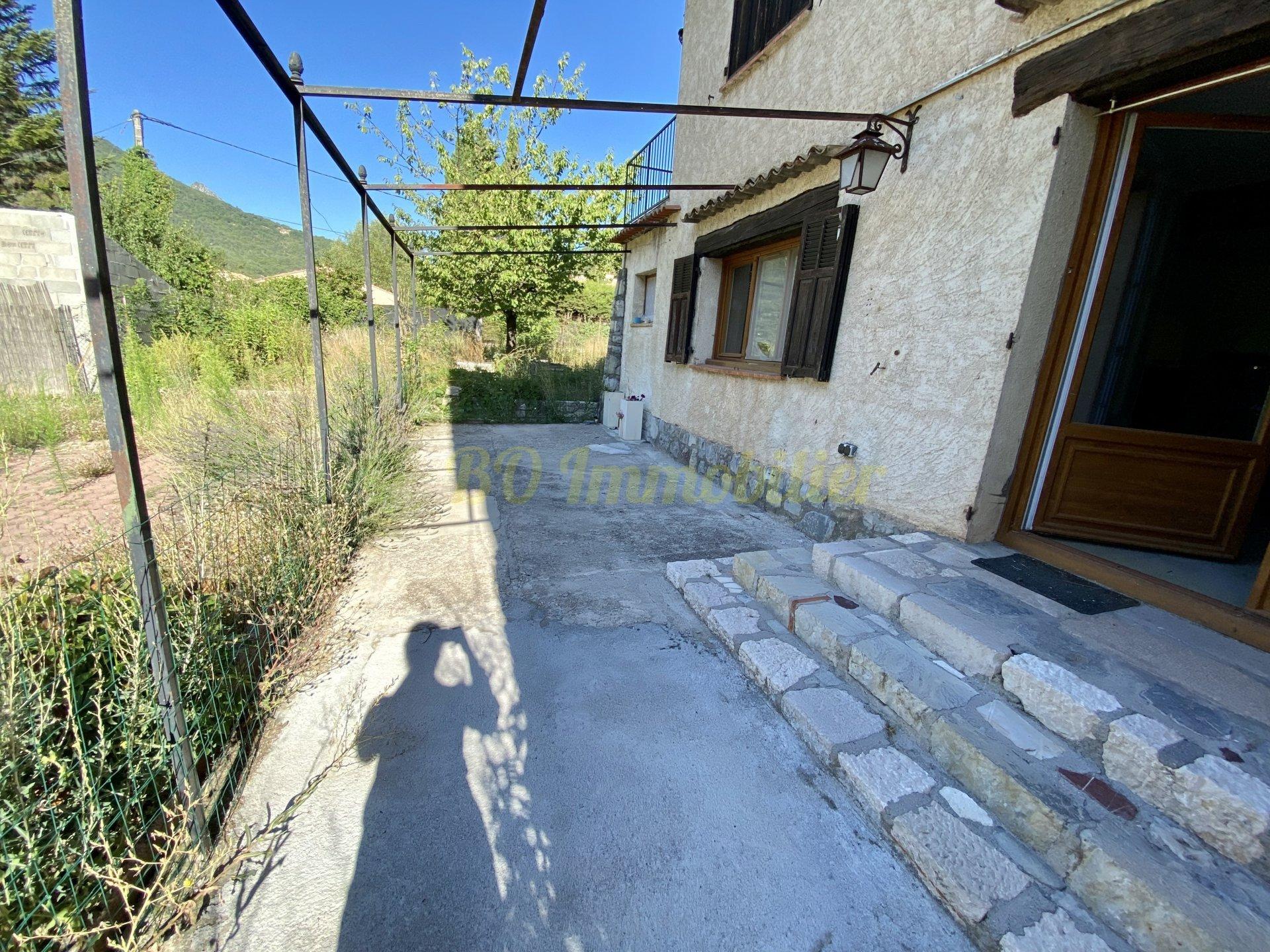 Appartement de 117m² + jardin plat de 900m²
