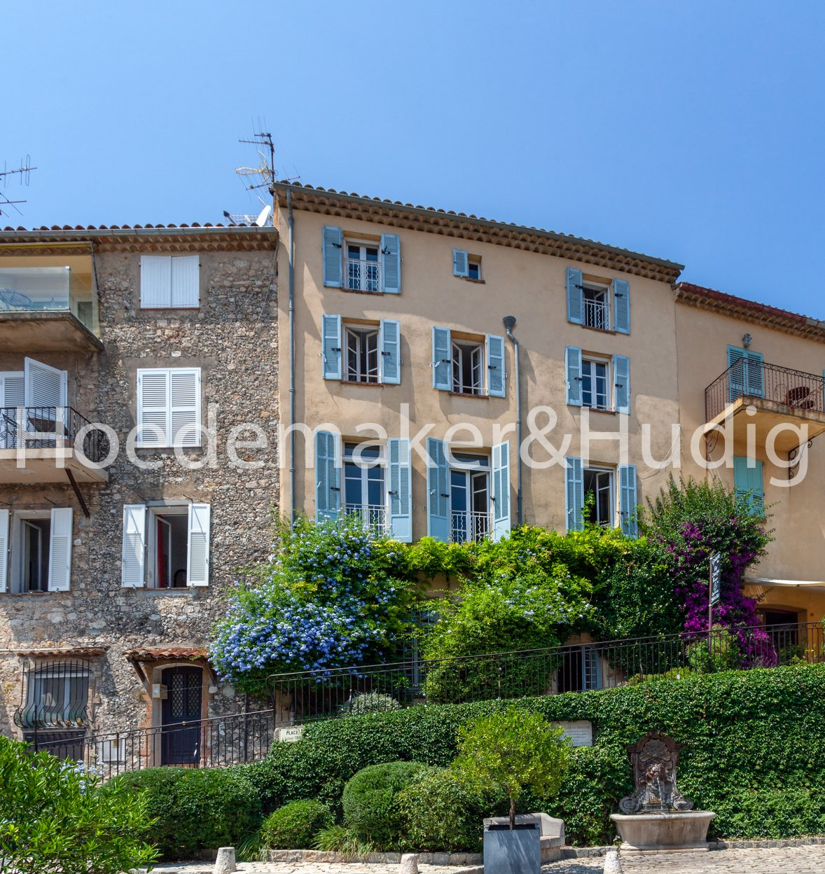 Village House Mougins, sea view (and 360°) on roof terrace