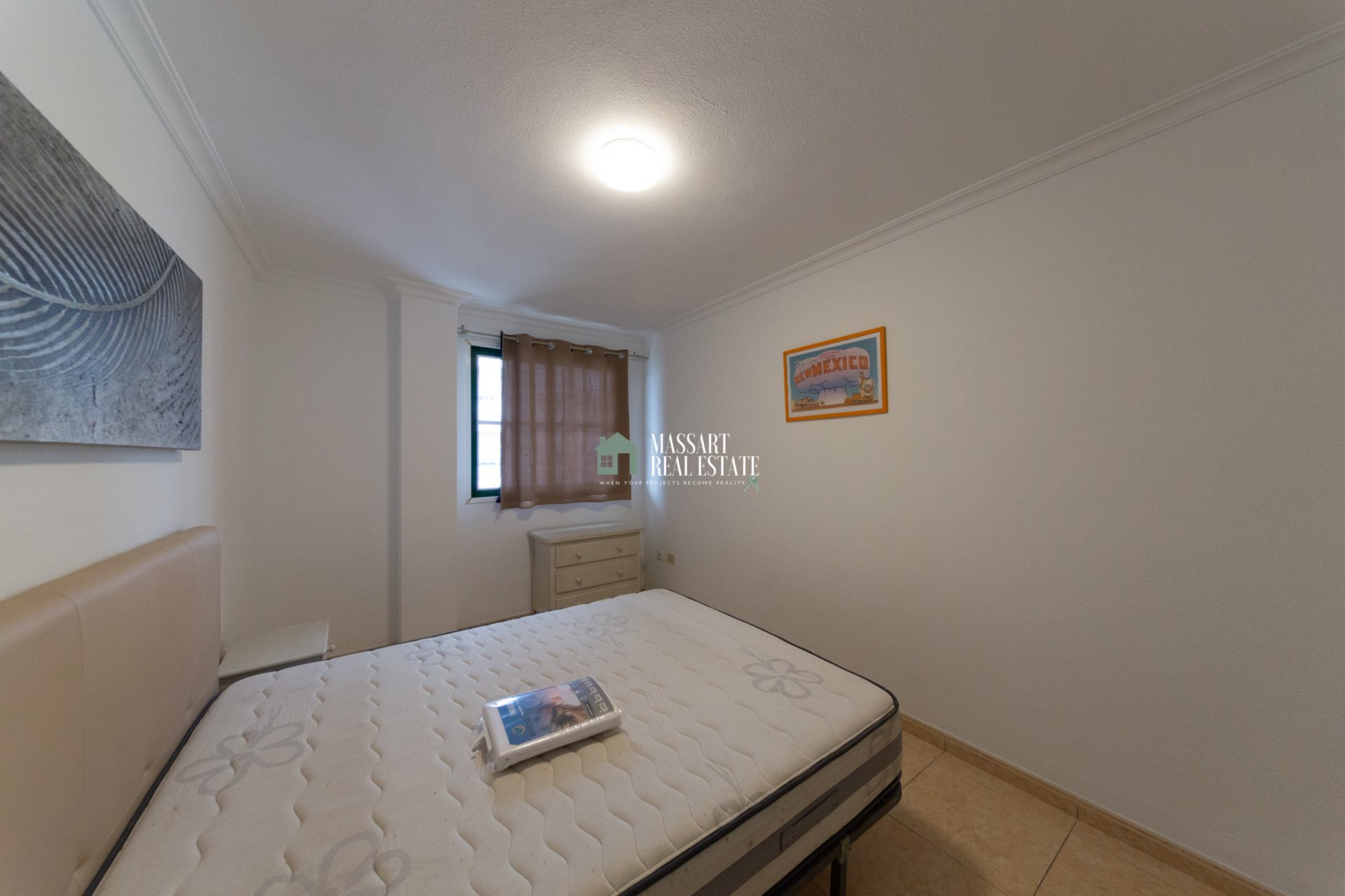 Appartement de 73 m2 caractérisé par son bon état de conservation, sa grande taille et son emplacement stratégique... au centre d'ADEJE!