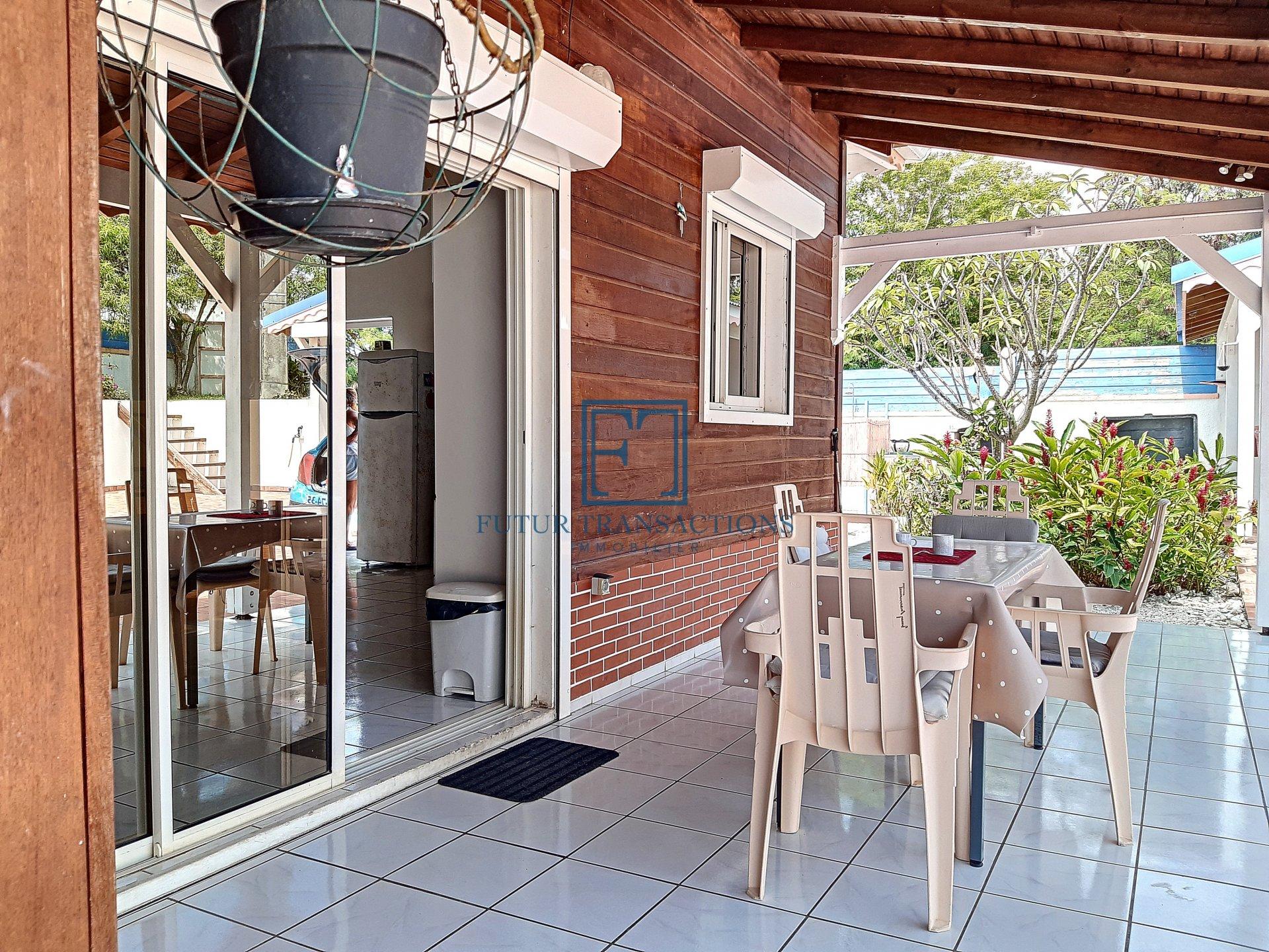 Villa T4 avec piscine Saint François