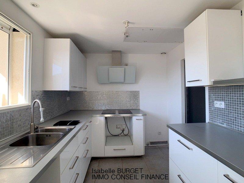 NIMES - DUPLEX - 3 chambres - 85 m2