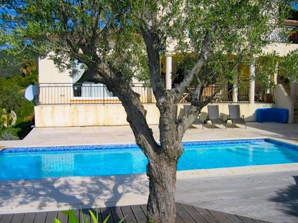 Les issambres moderne villa 170 m2 met fraai uitzicht - Provencaalse terras ...