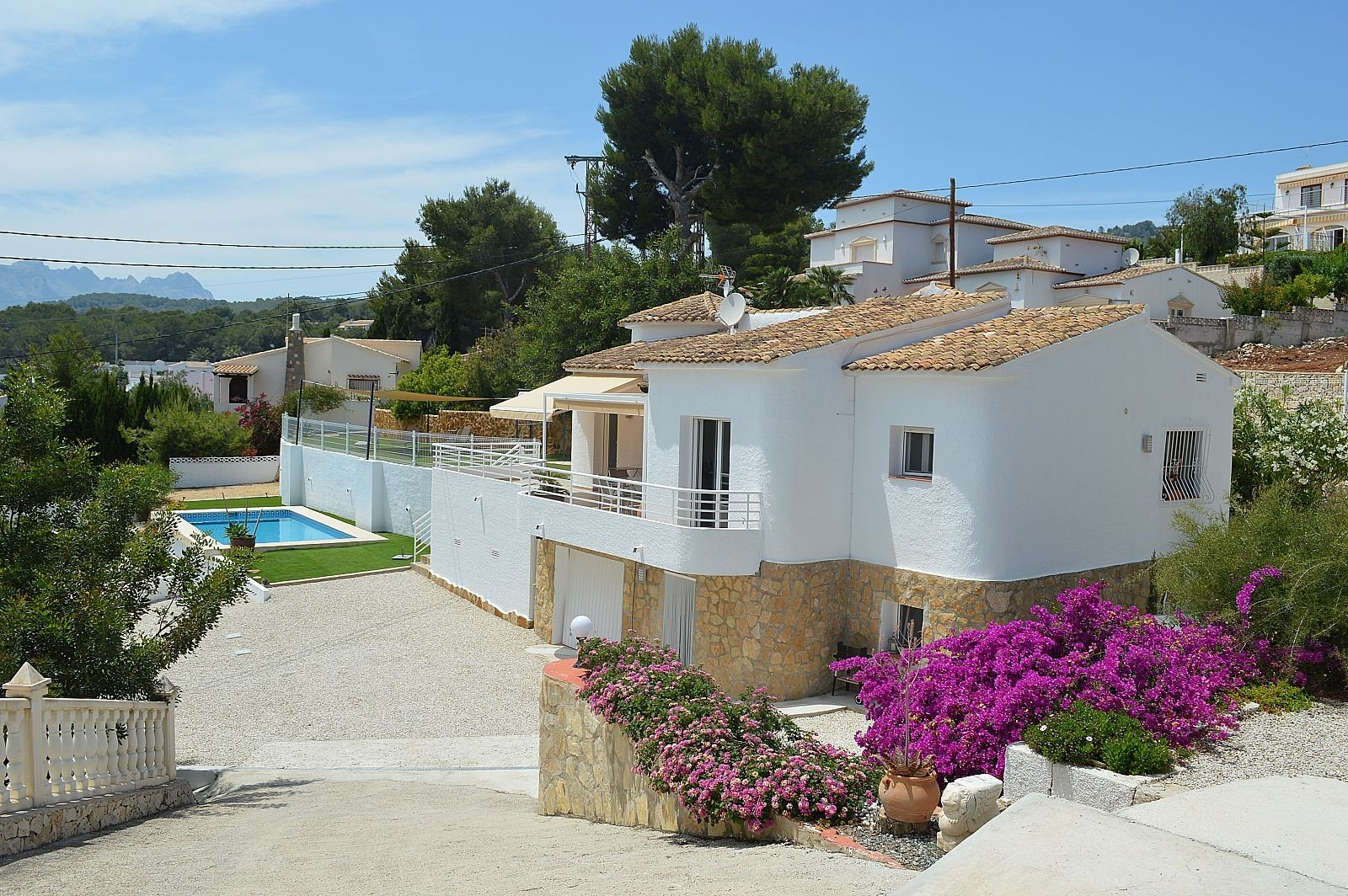 Completely renovated villa with guest apartment in La Fustera