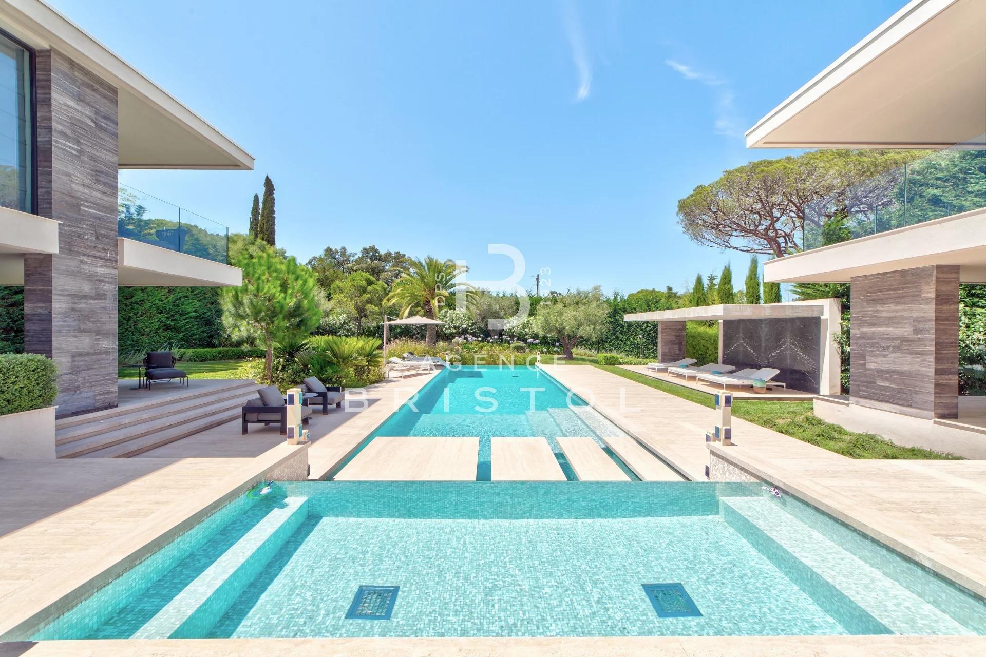 Magnificent contemporary villa close to saint-Tropez