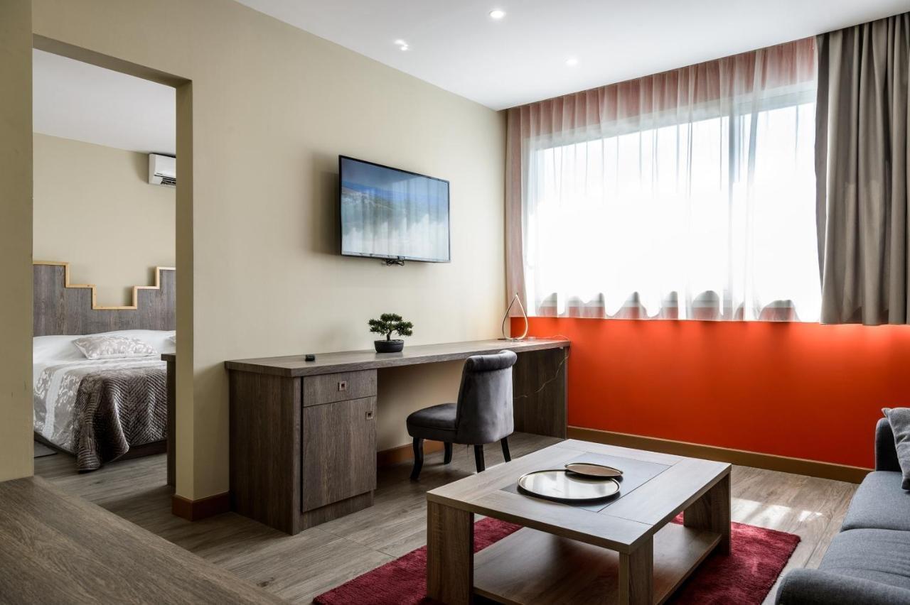 HOTEL RESTAURANT 3* BOUCHES DU RHONE PROCHE MER