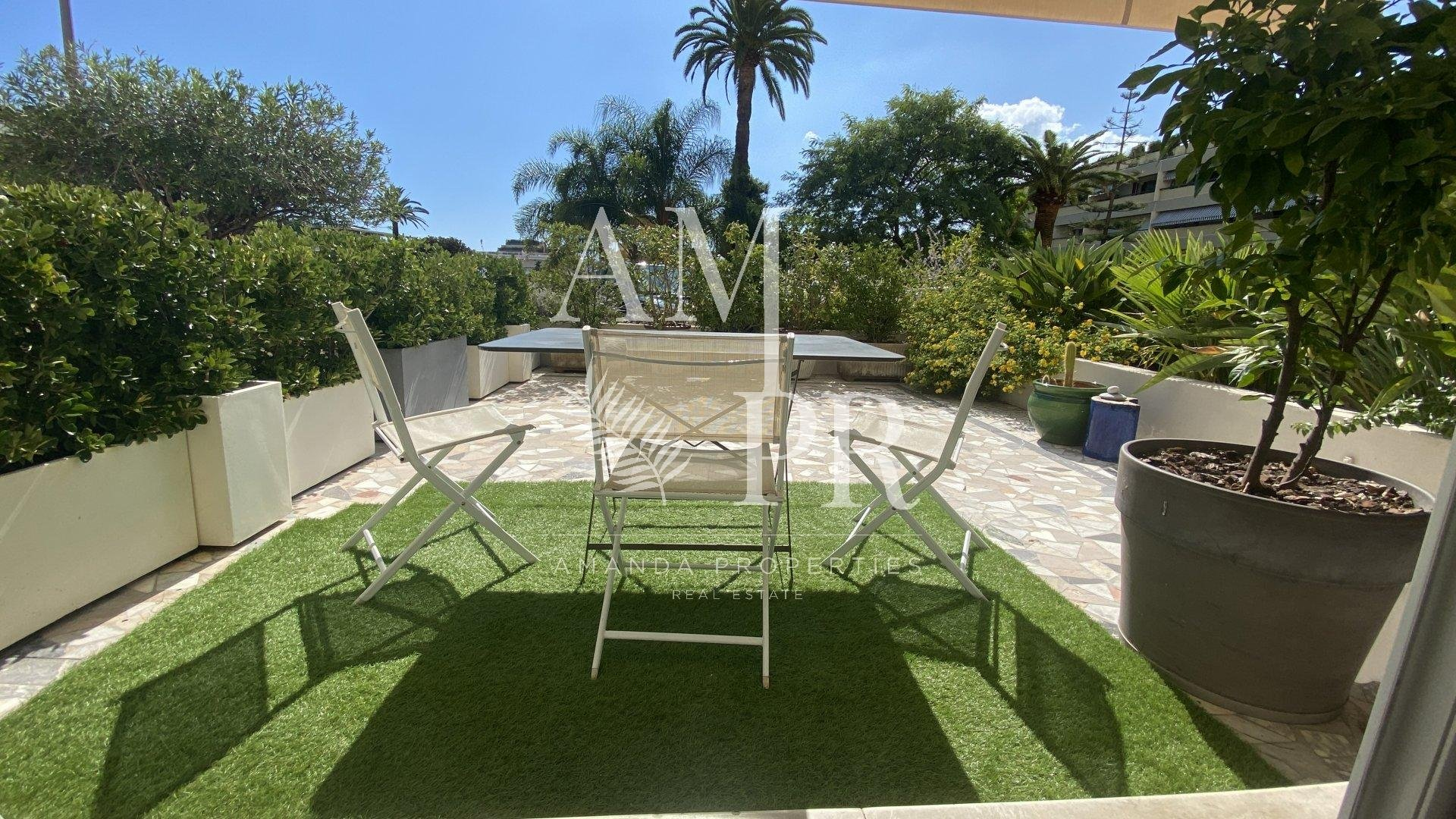 Cannes Basse Californie - Charming 3 rooms of 85sqm - Garden level