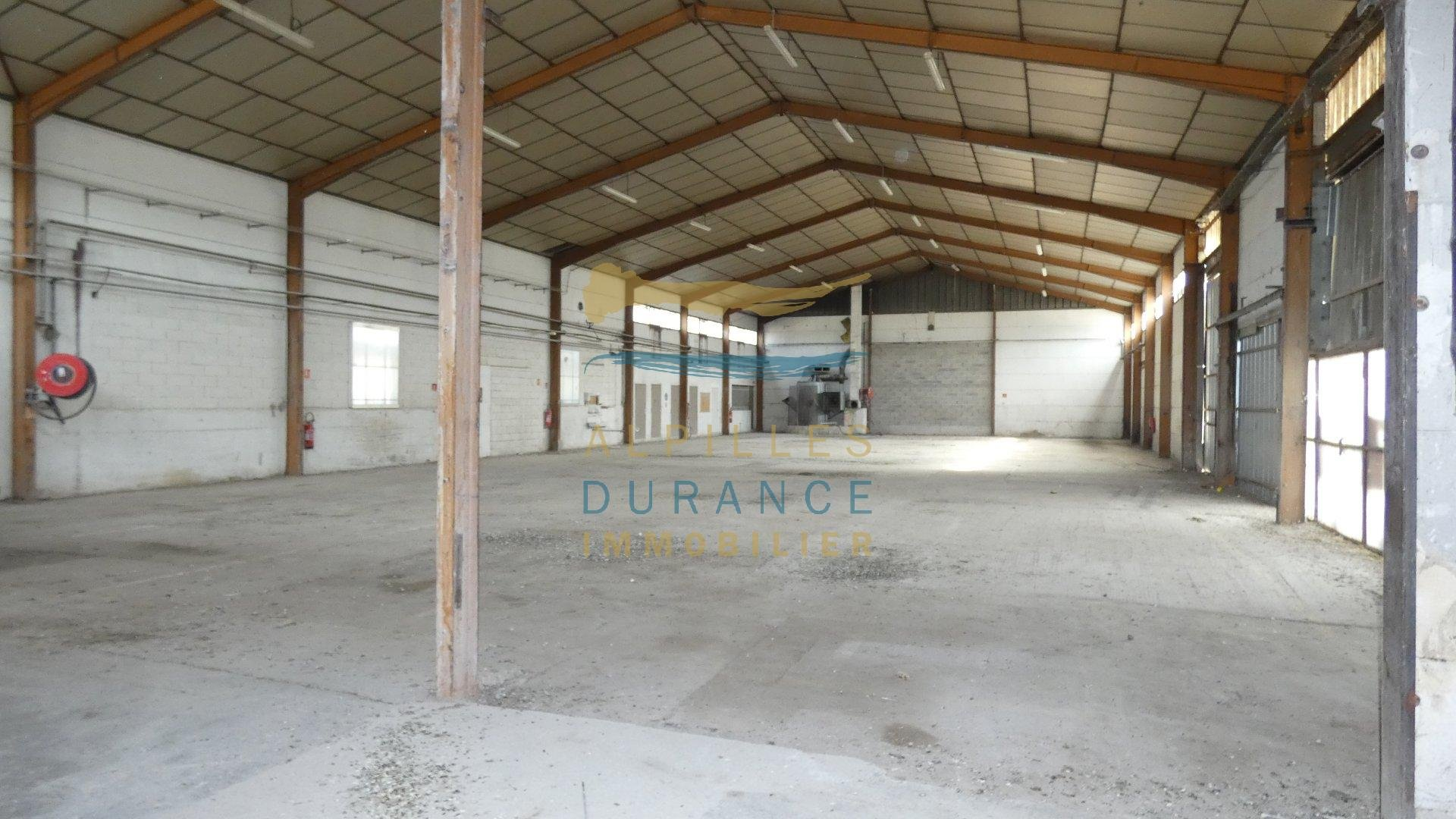 Sale Warehouse - Eyragues