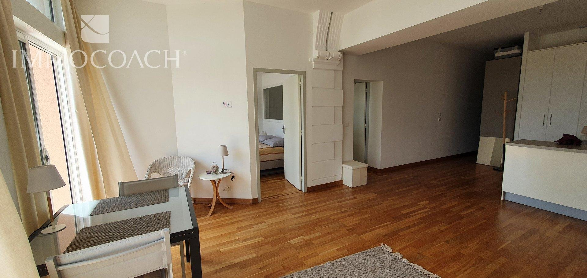 Apartment with sea view directly at the beach in Le Dramont (Agay / Saint-Raphaël)