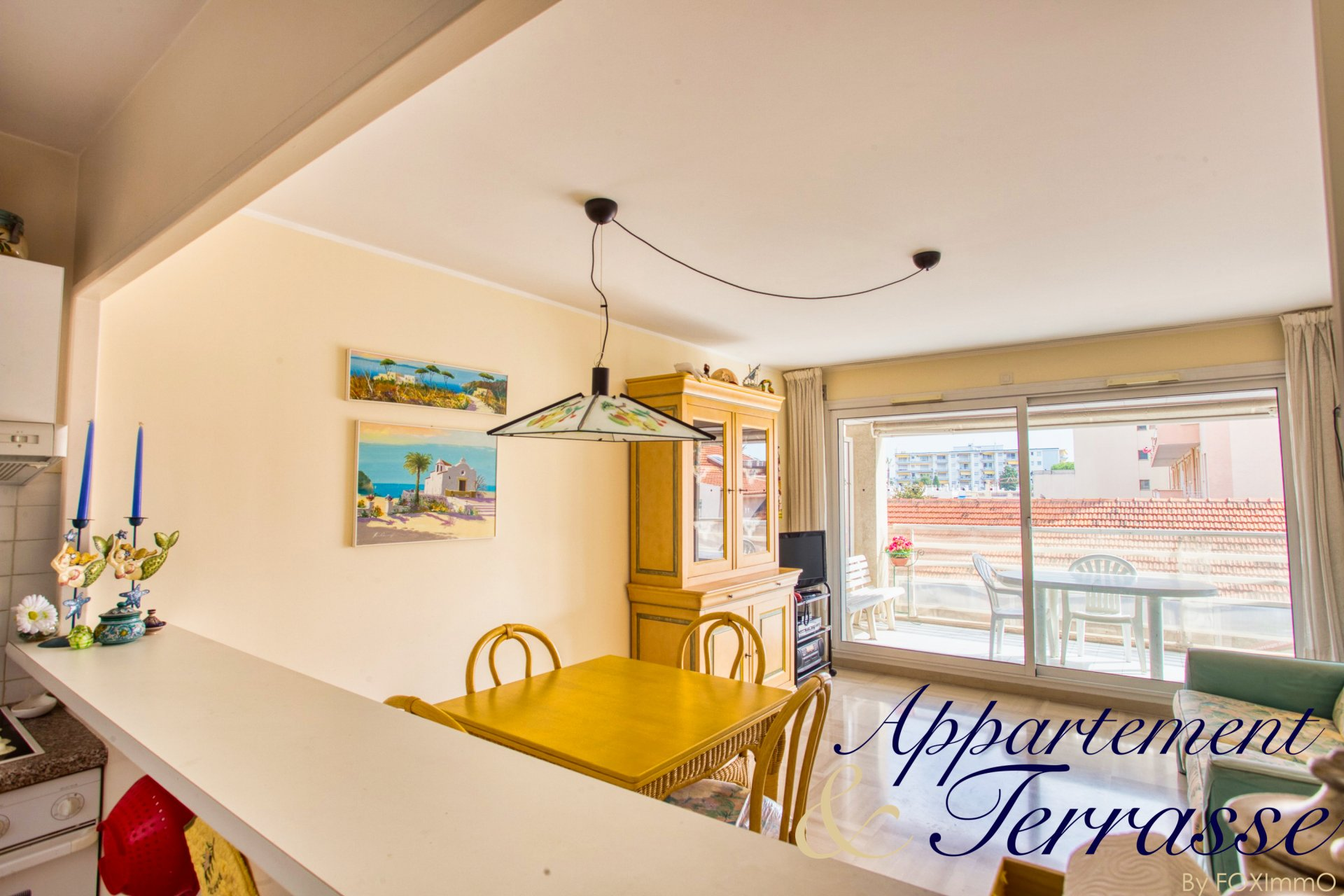 Golfe-juan on the french riviera flat F3 sea view, terrace, 2 garages