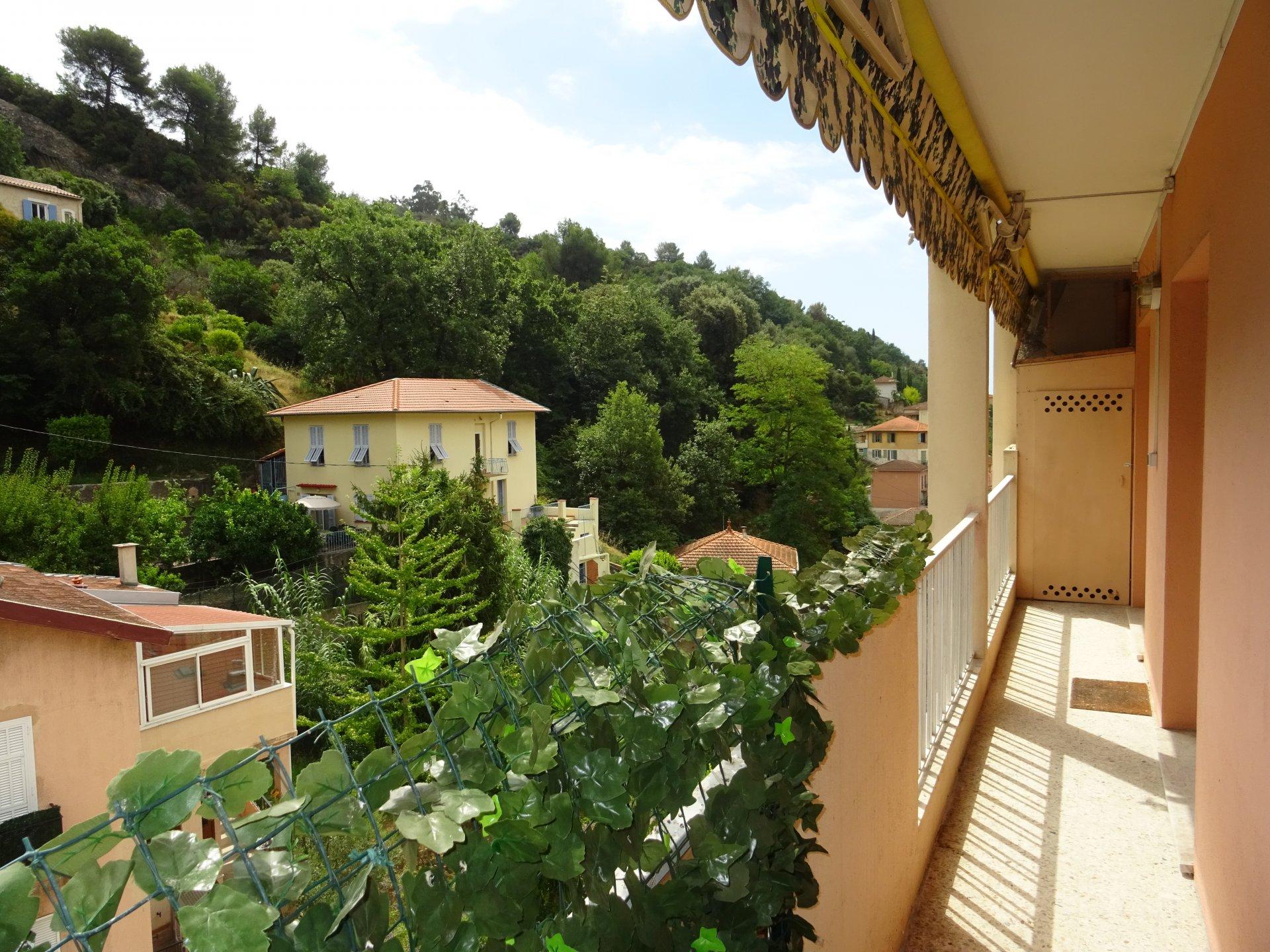 5p Menton dernier étage terrasse 50m2