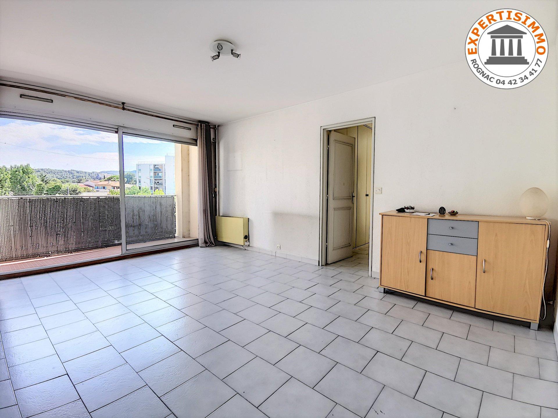 Rognac  Appartement T3 avec balcon et cave