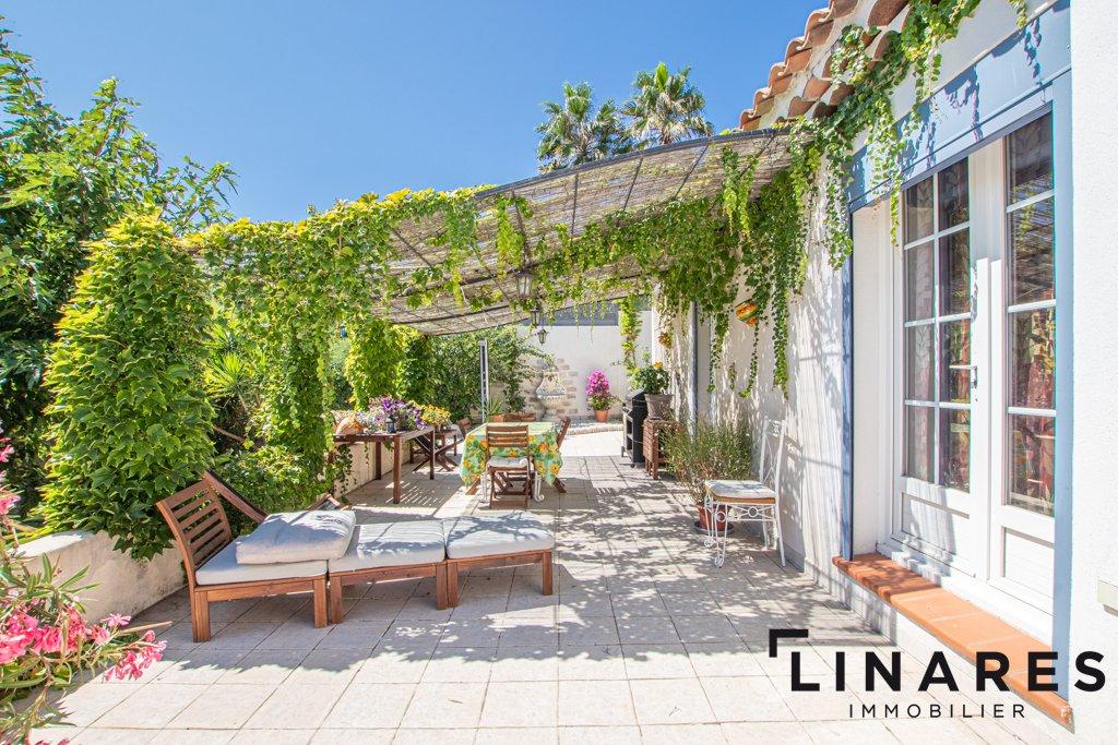LA VERDOYANTE - Villa T6 de 220 m² - Terrain 1020 m² 13013