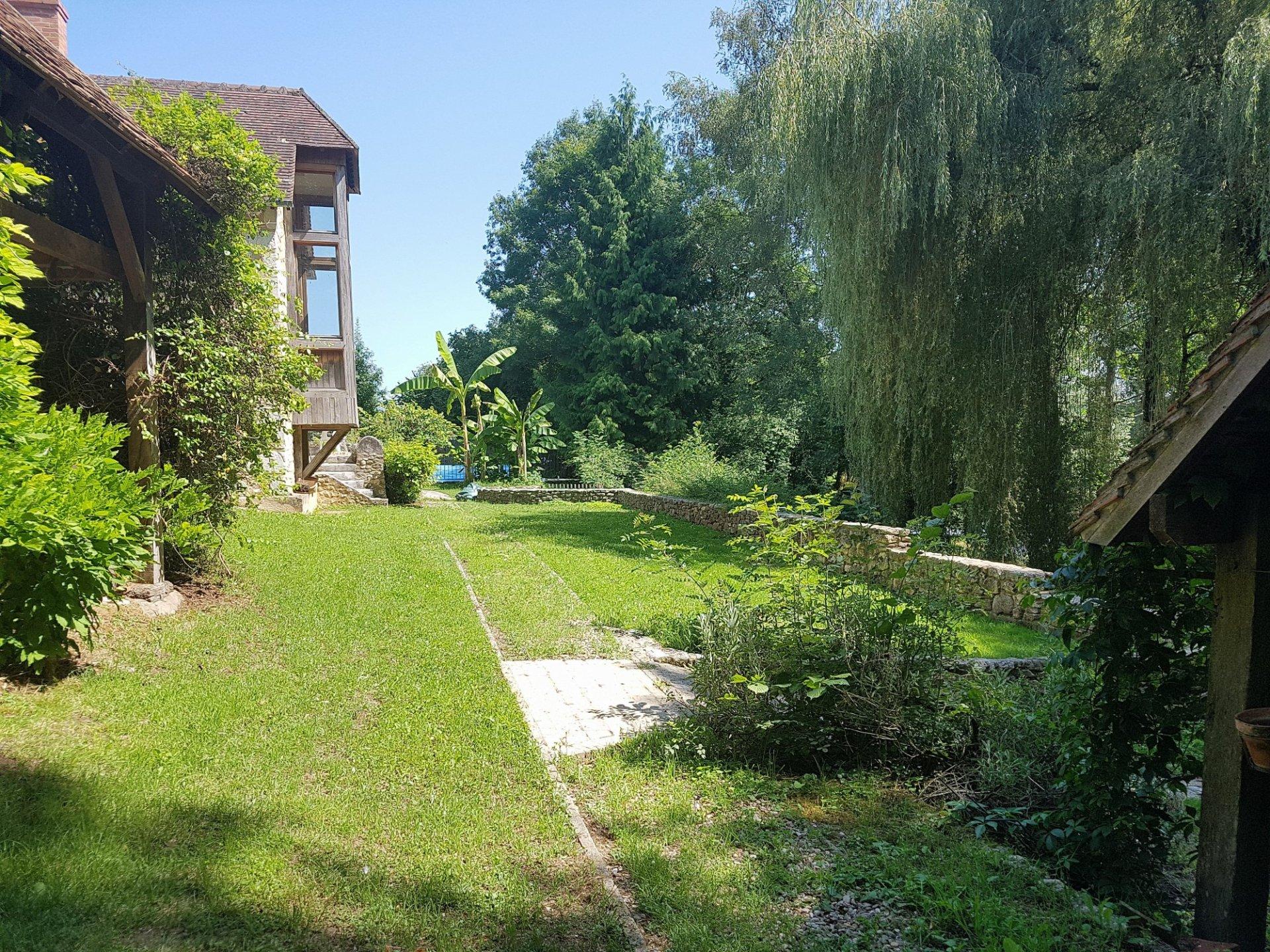 Huis aan de rivier met gite te koop bij Le Blanc 36