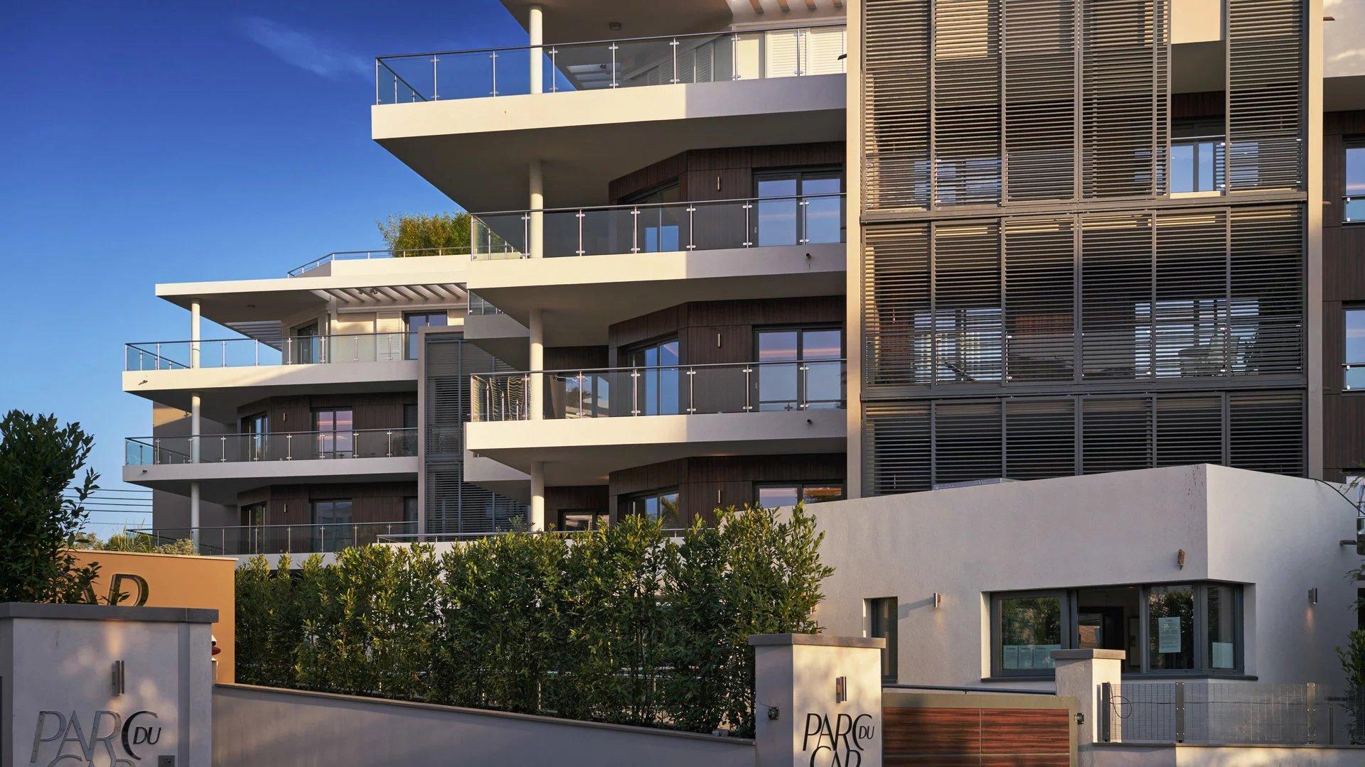 Cap d'Antibes -  Lekker ny 3-roms 83m2 leilighet med stor terrasse i eksepsjonell residens