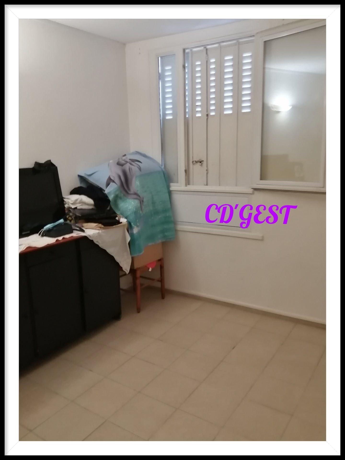 Montélimar Appartement T3 avec cave et terrasse