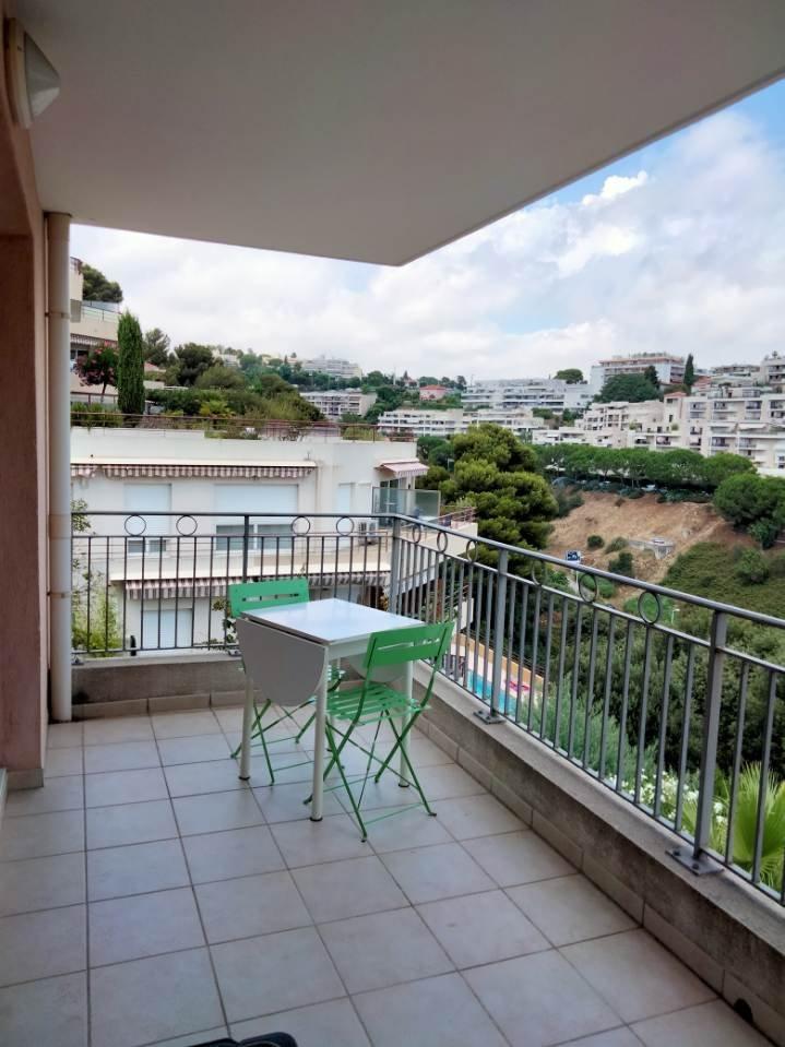 2P - LANTERNE terrasse, cave et parking