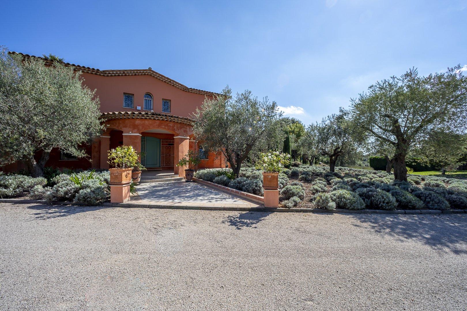A New Villa In The Most Prestigious Gated Community In Biot