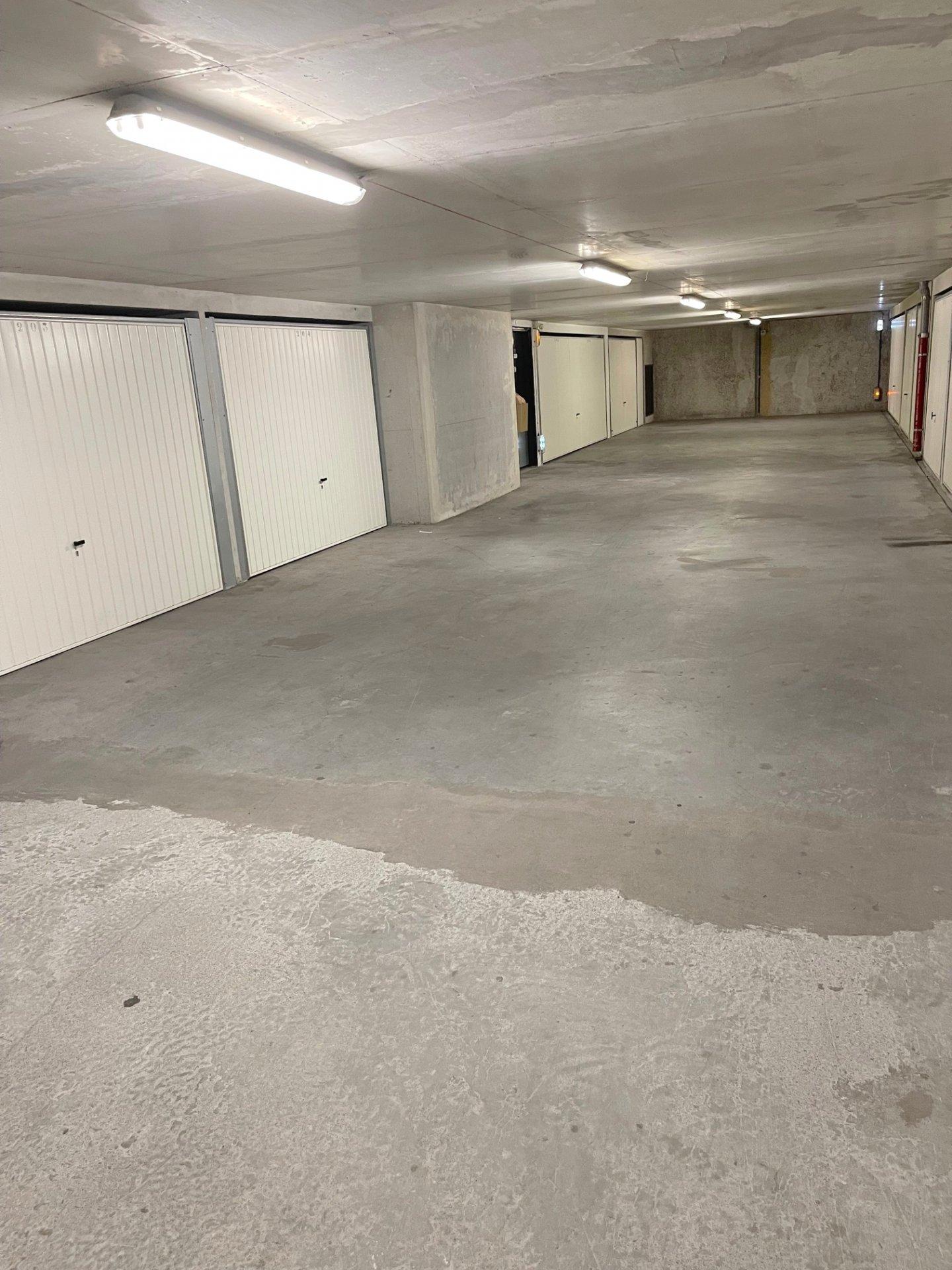 CENTRE VILLE 2 PIECES Terrasse et Garage