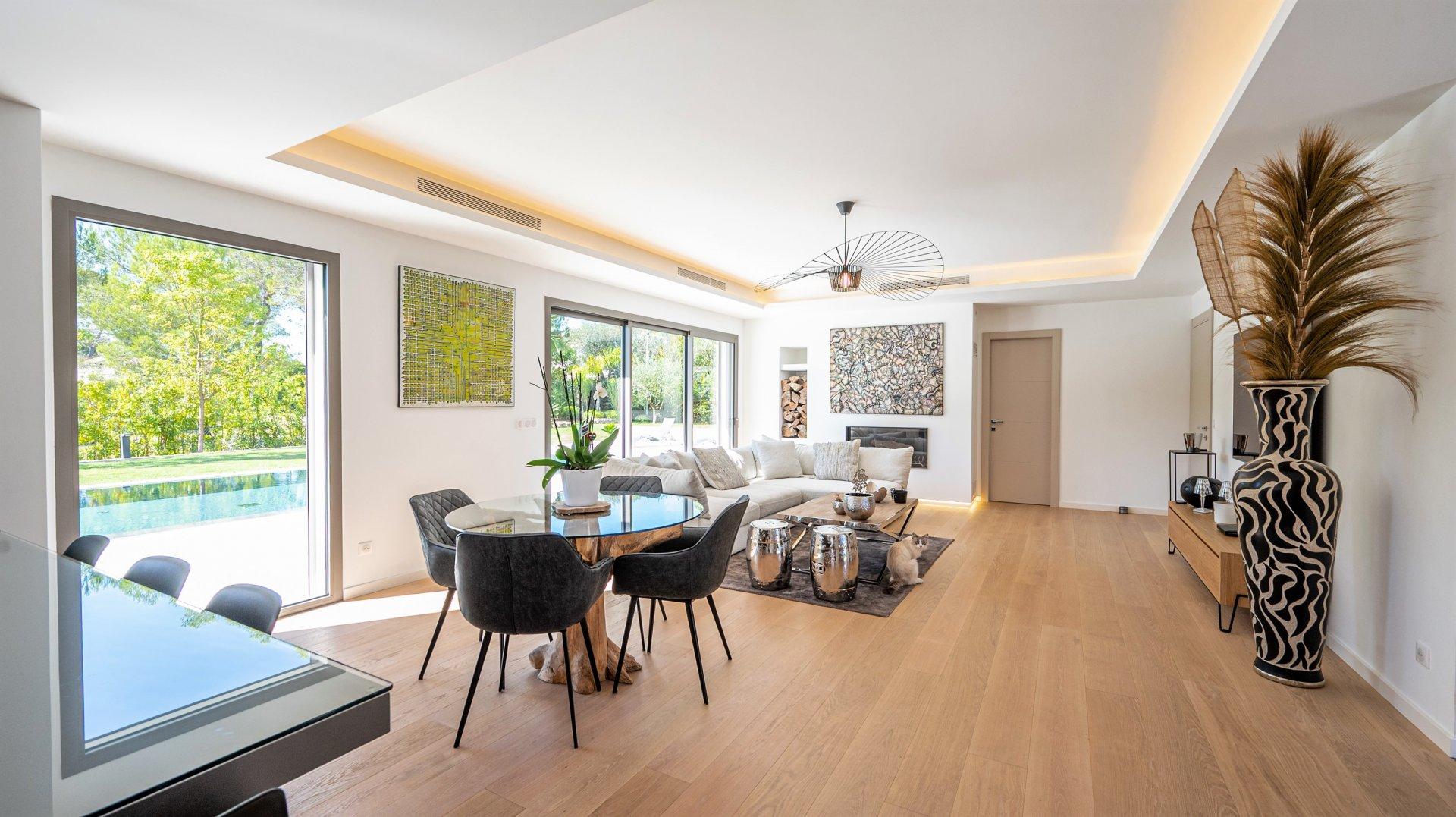 For sale - Contemporary Brand New Villa - MOUGINS