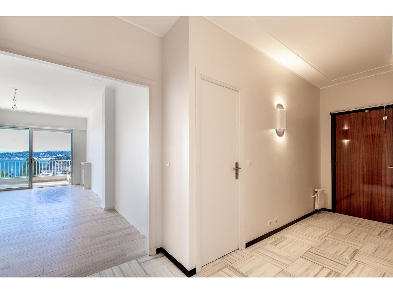 Apartment in Mont Boron with views