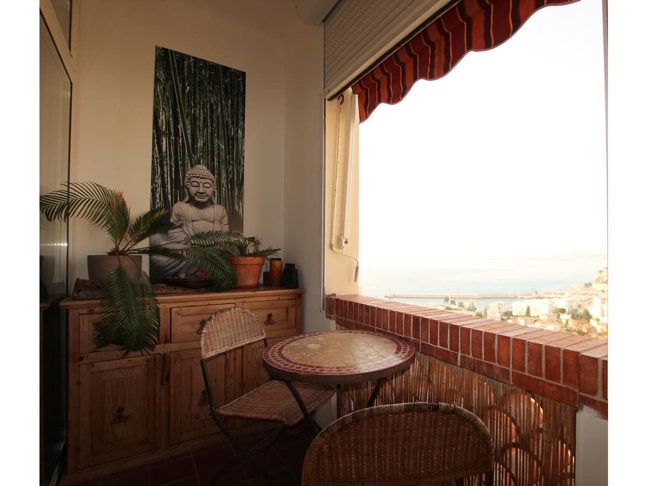 Top floor apartment in Mont Boron with fantastic views