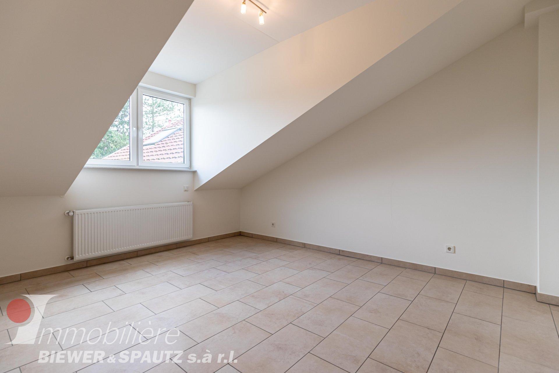 ZU VERMIETEN - Maisonette-Wohnung mit 3 Schlafzimmern in Oberanven