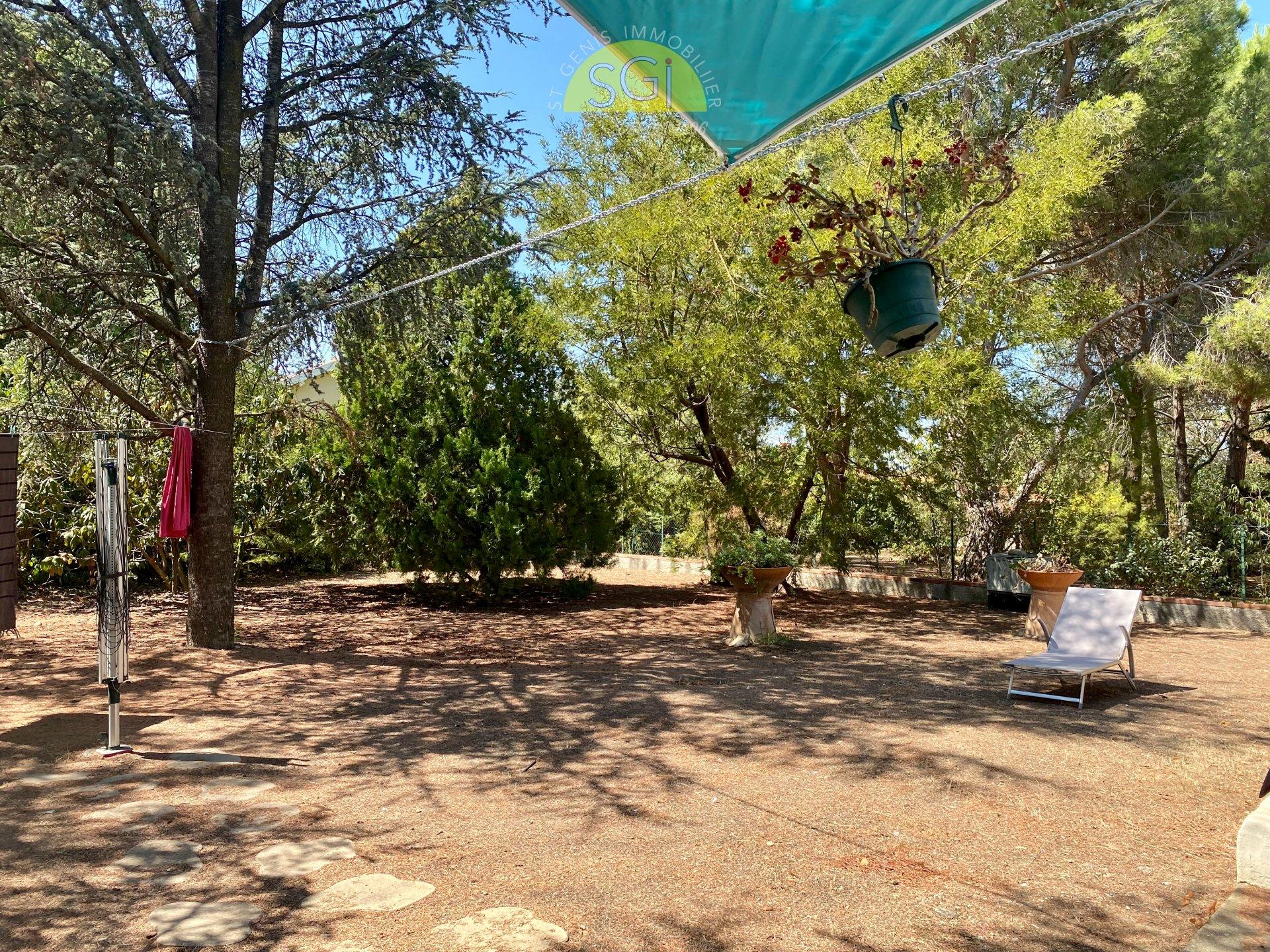 Villa 4 faces avec piscine sur 1 004 m2 de terrain