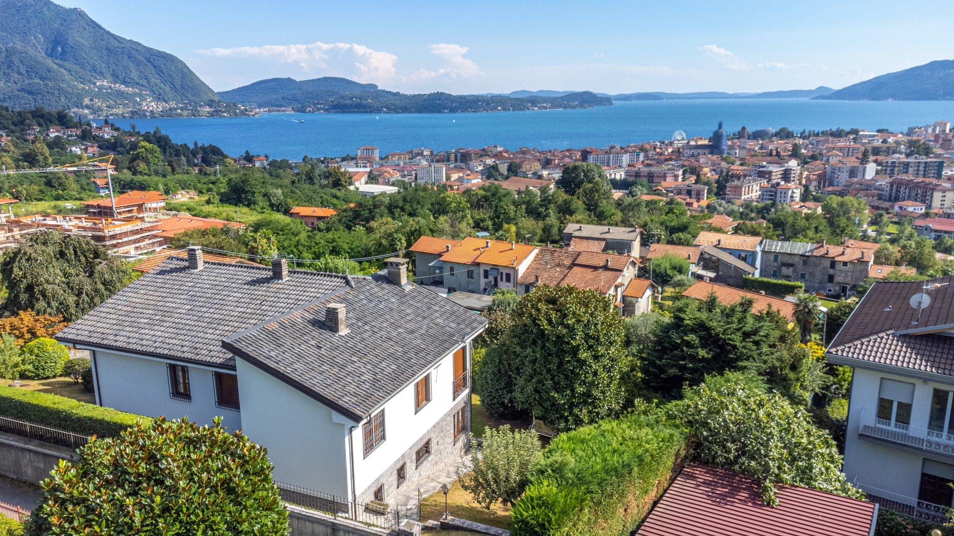 Freistehende Villa zu verkaufen in Verbania