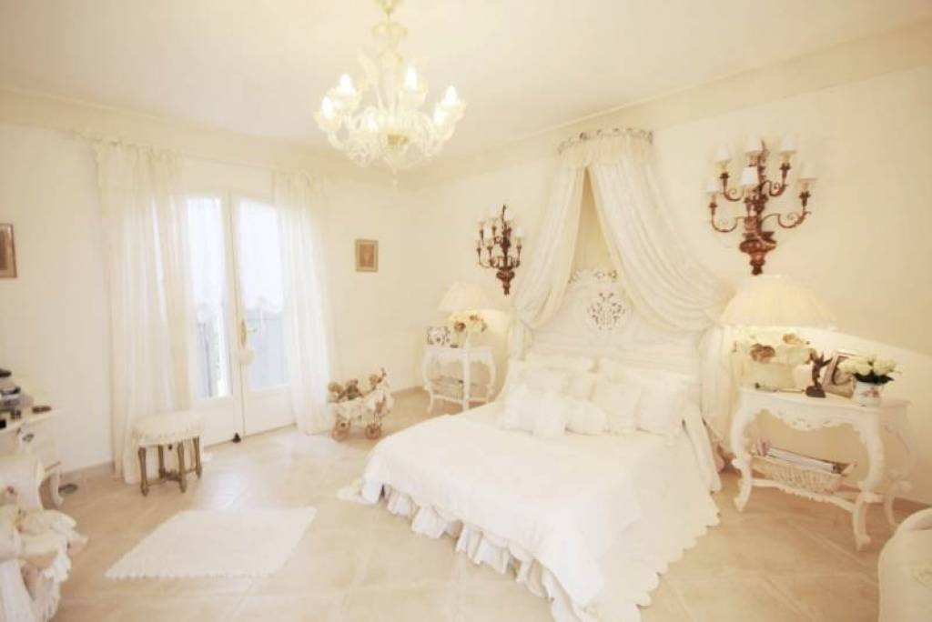 the white bedroom