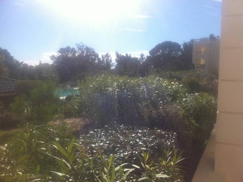 APARTMENT IN THE PARK IN SAINT AYGULF