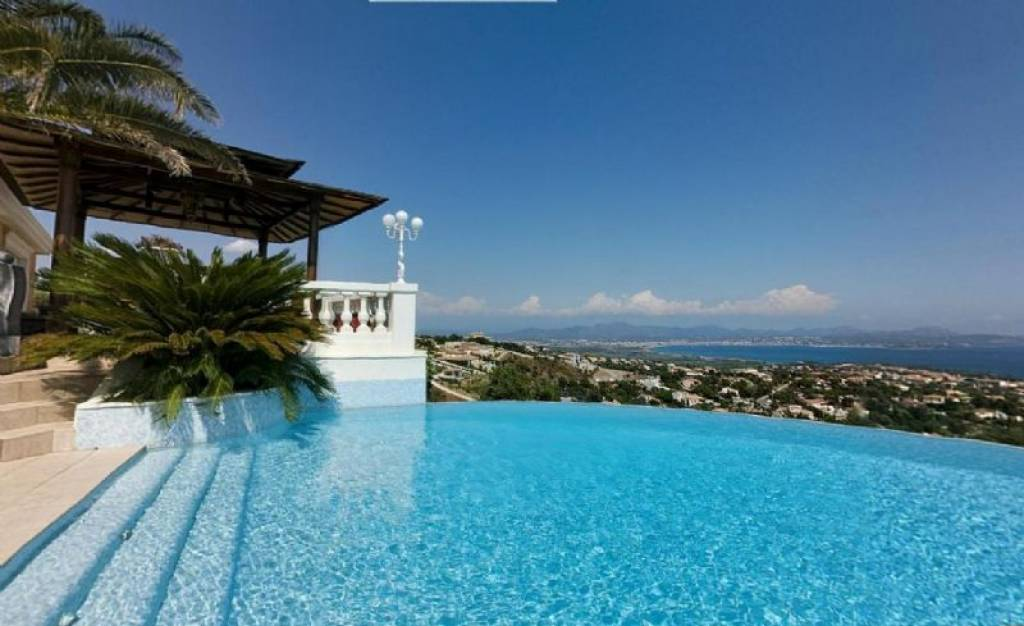 VILLA WITH SEA VIEW BETWEEN SAINT RAPHAEL AND SAINTE MAXIME