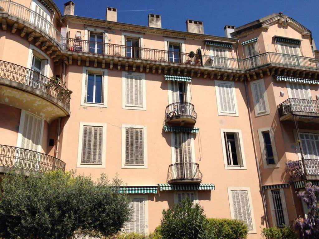 APPARTEMENT VUE MER A CANNES