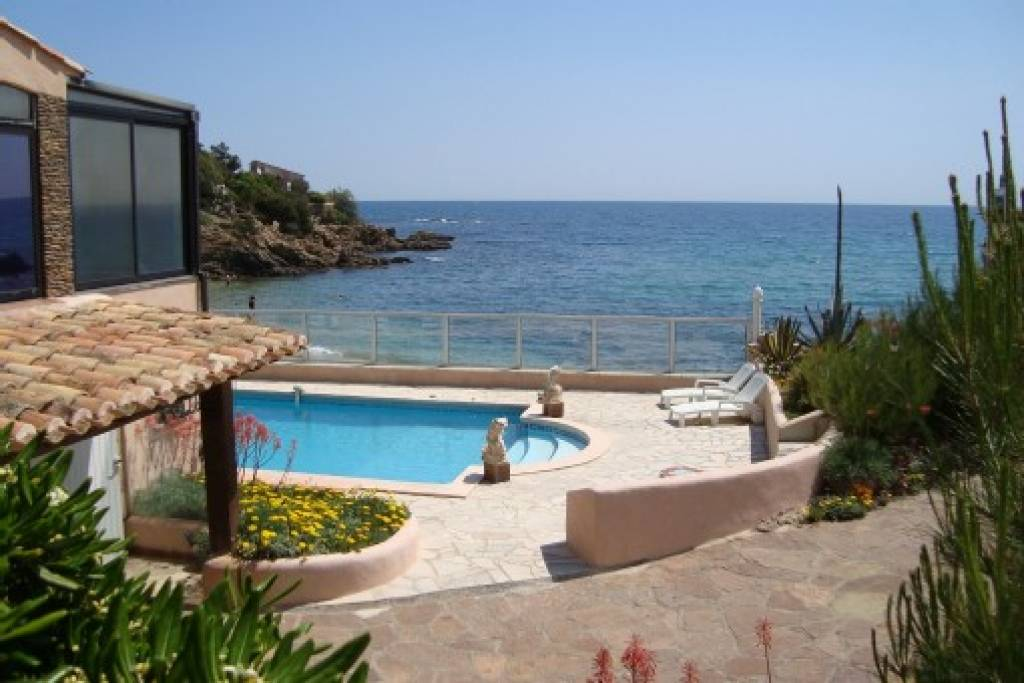 sea front property with swimming pool