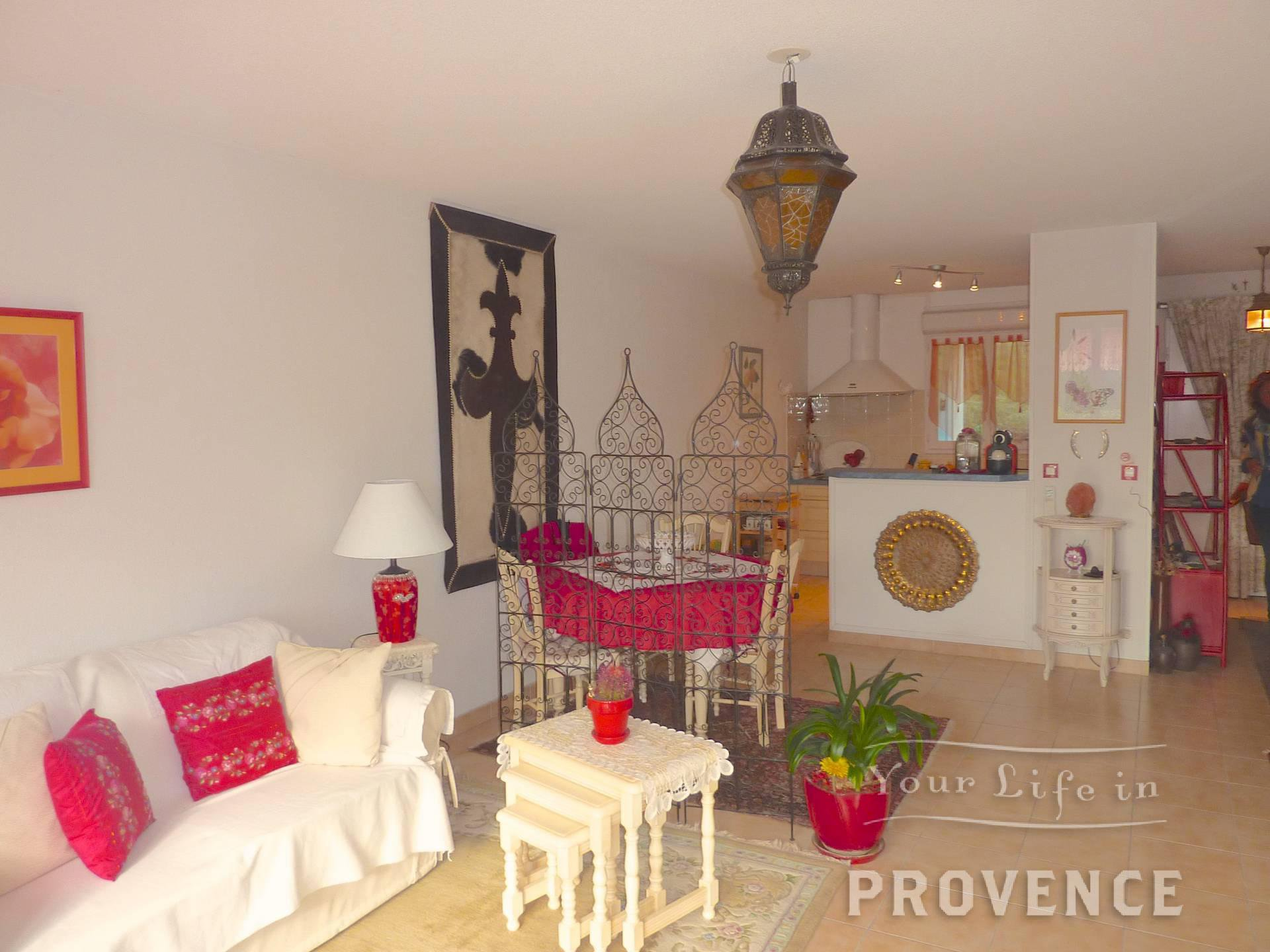 UNDER OFFER    EXCLUSIVELLY Quality apartment with garden and pool in Lorgues