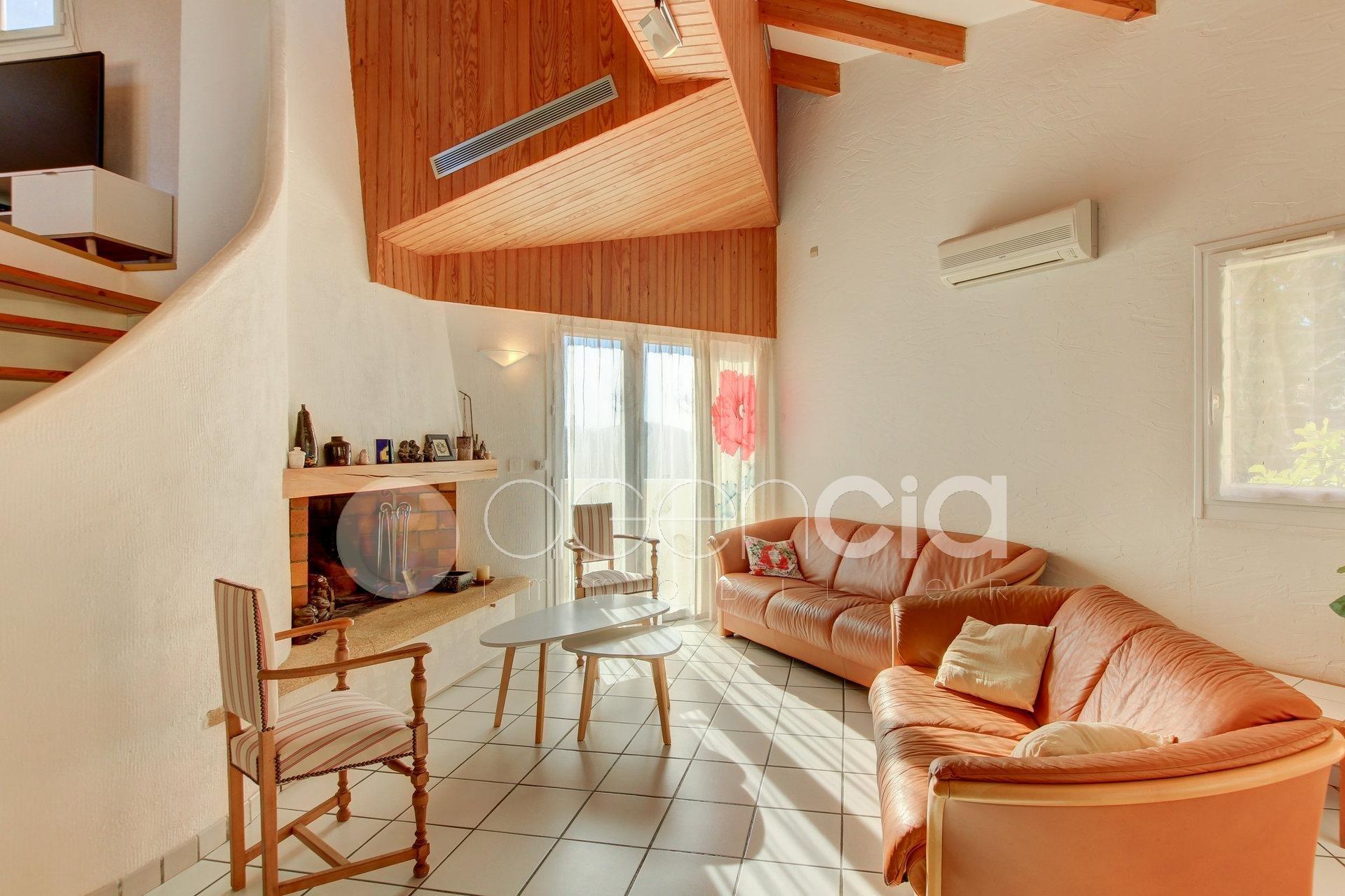 Vente villa d 'Architecte  au TIGNET