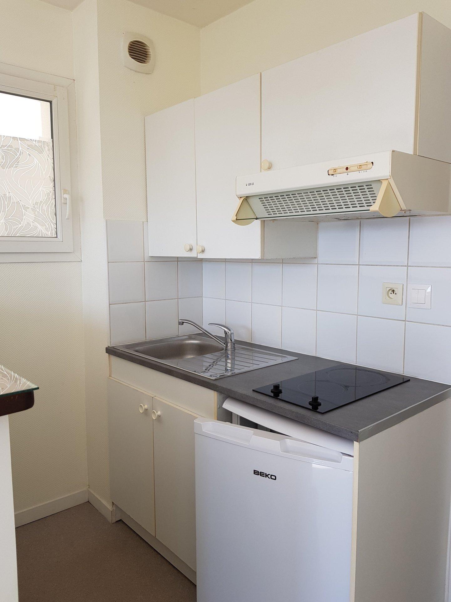 Appartement type 2 avec terrasse et stationnement