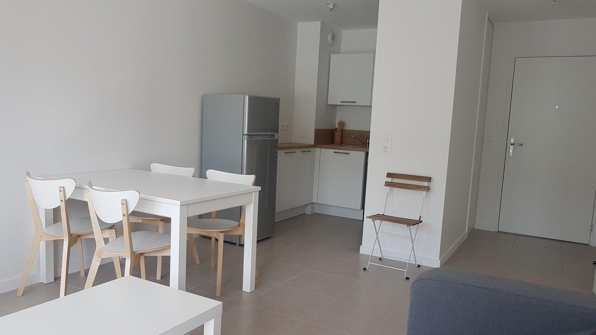 T2 neuf meublé avec terrasse et parking couvert