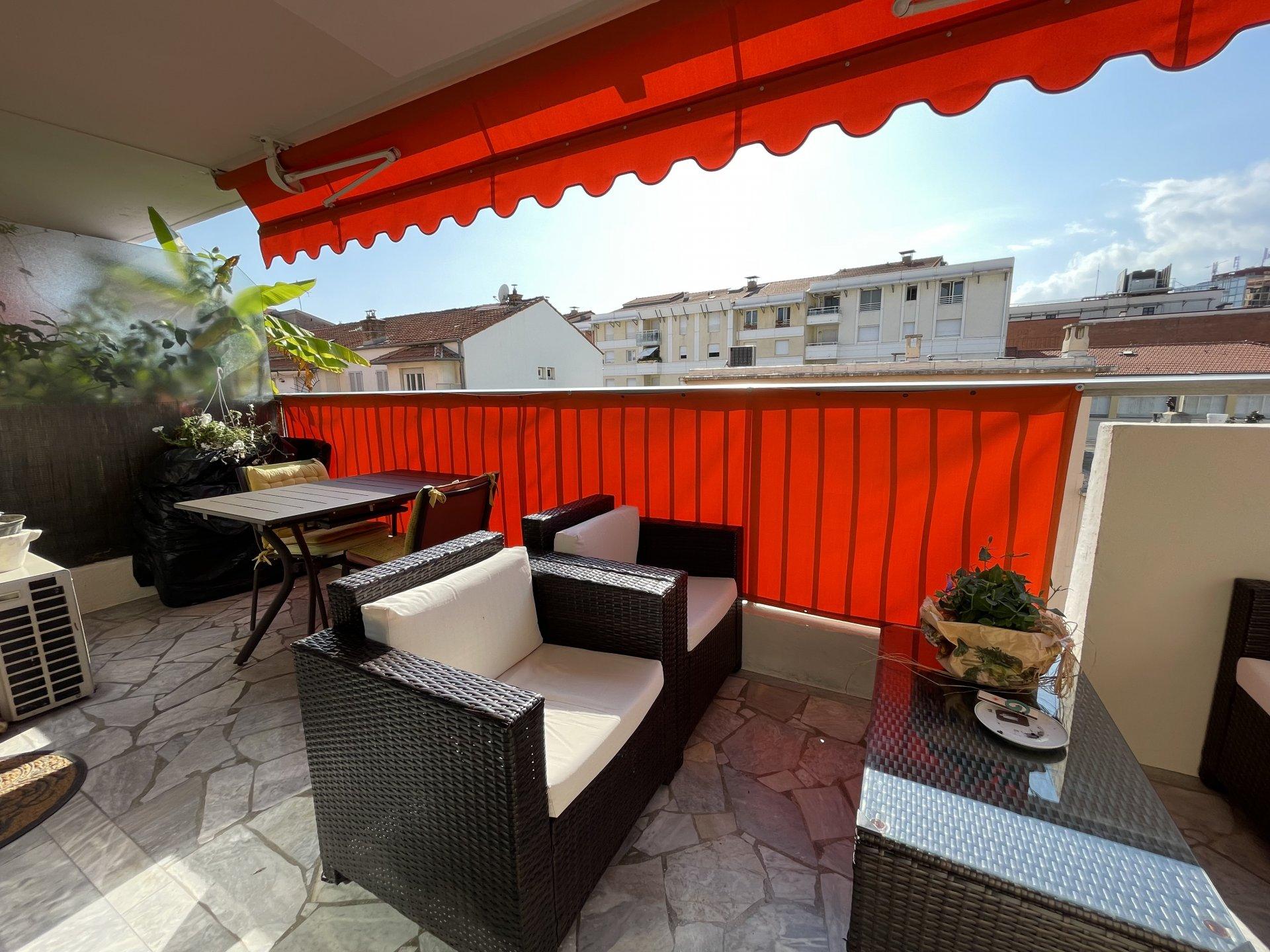 3 Pièces traversant, terrasse, balcon, parking
