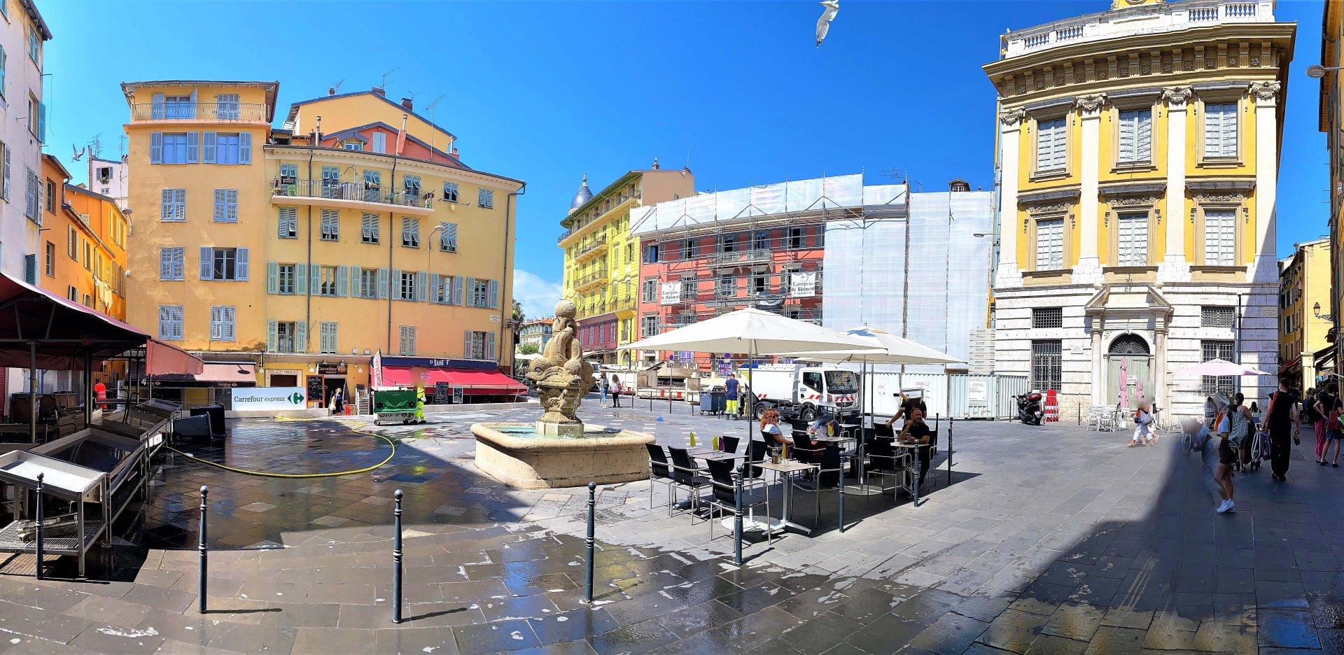 Vieux Nice 2P + balcon 4éme et DERNIER ETAGE