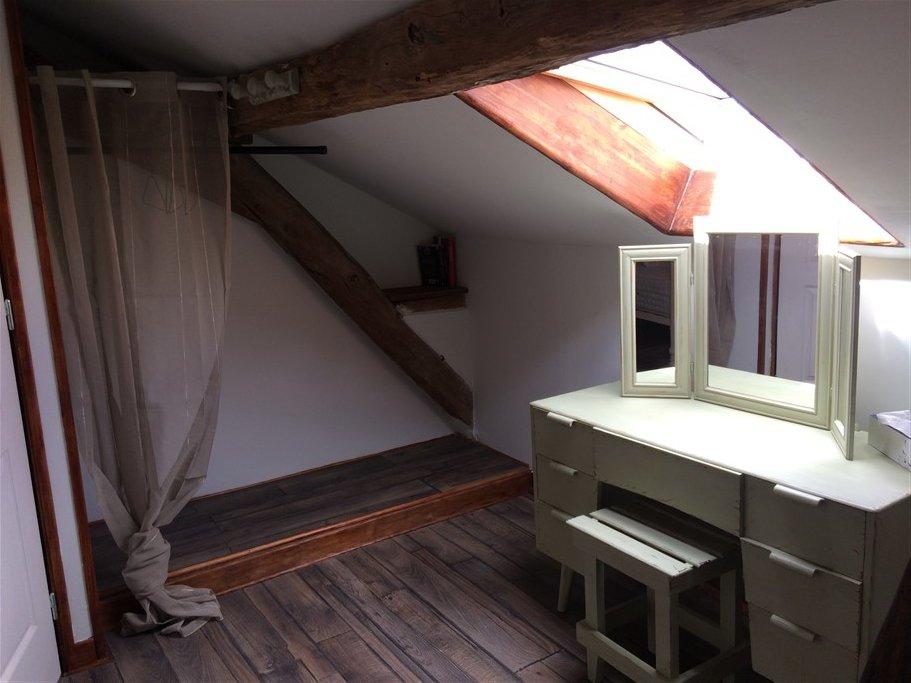 Te Koop 18e Eeuws gerenoveerd huis in Le Vigeant - Vienne