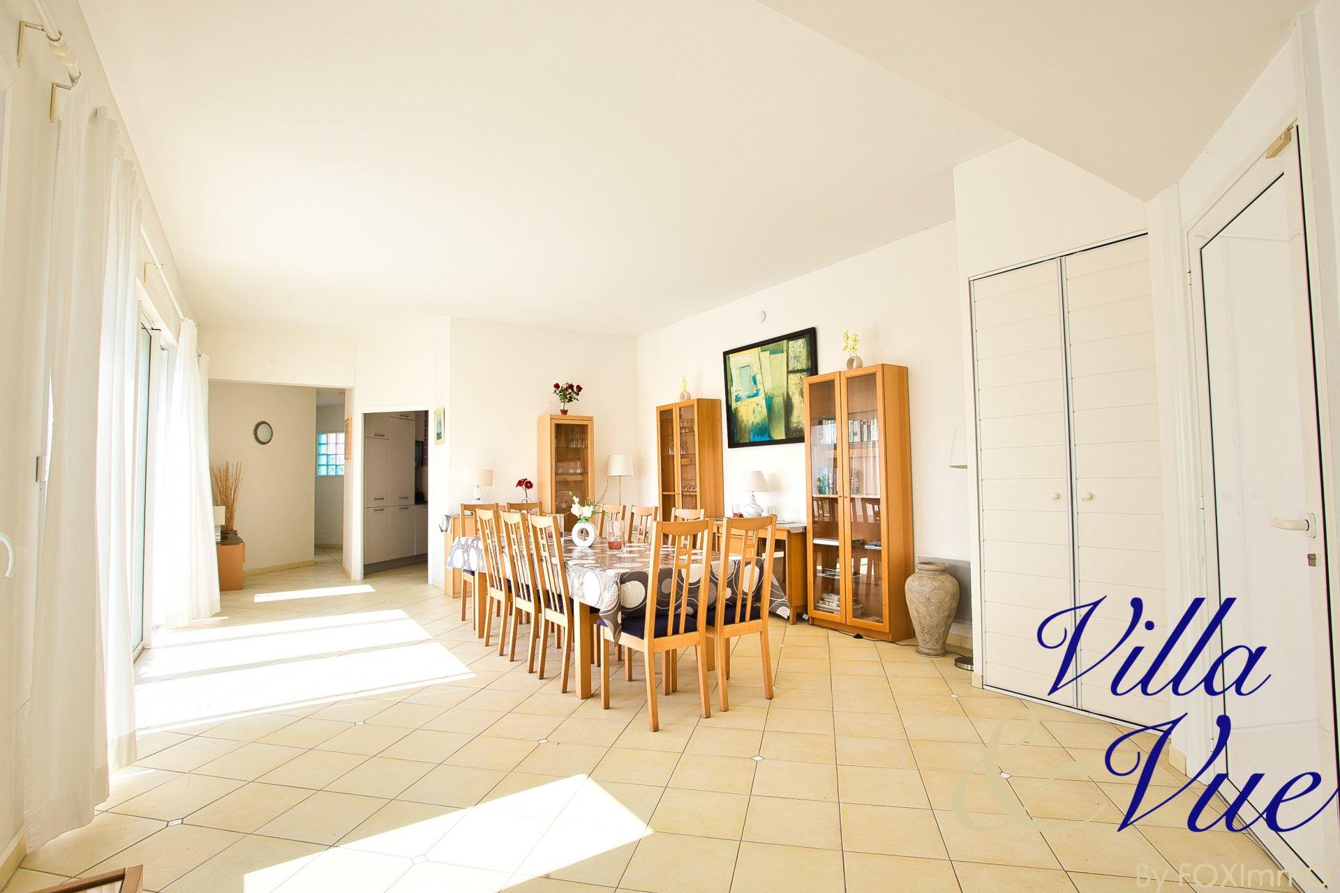 Villa Panoramic sea view, contemporary, pool, dominant, garage,