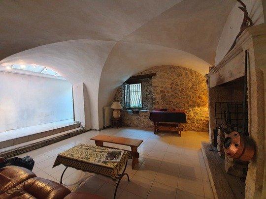 Dpt Gard (30), à vendre SAINT HIPPOLYTE DU FORT ,grande maison cévenol 159 m² ,4 chambres ,jardin ,remise