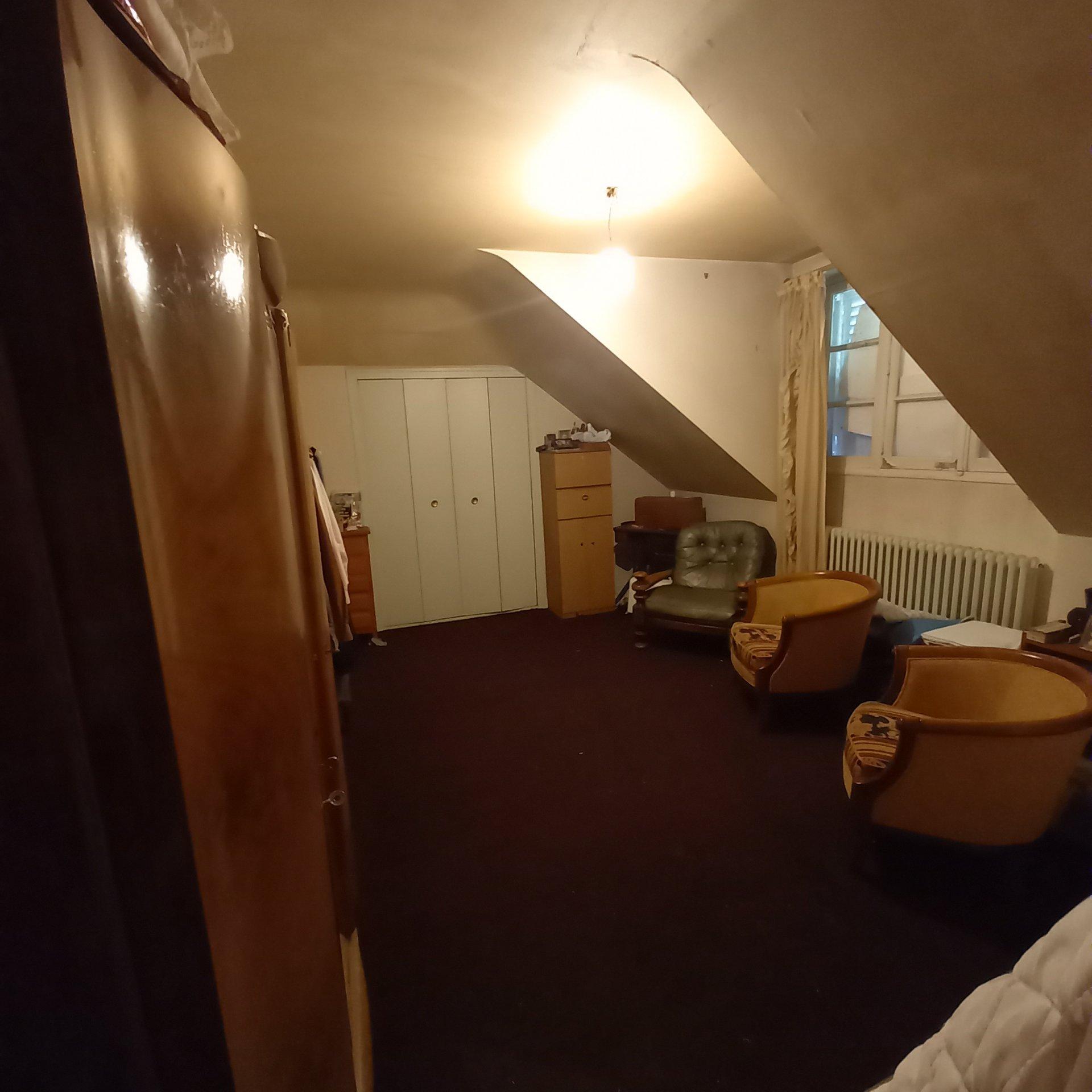 maison sur sous-sol avec 1000 m² env.