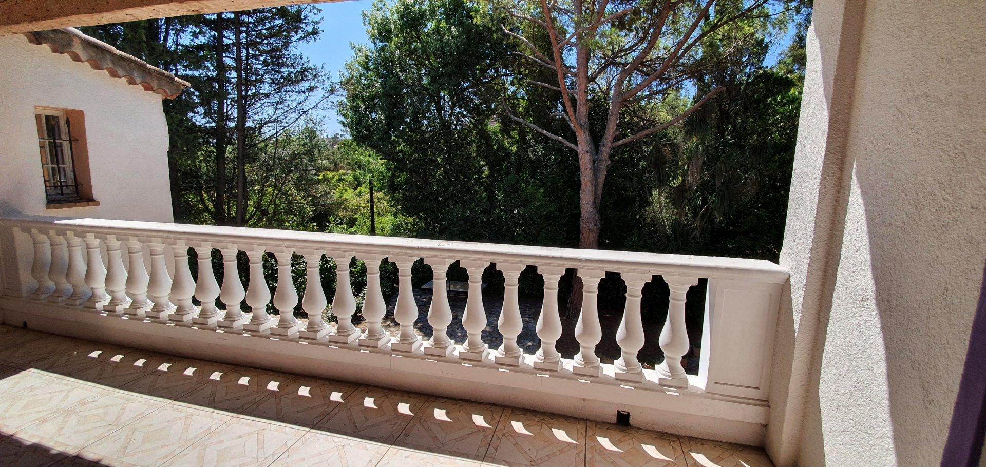 RARE Villa proximité POLYGONE avec immense jardin et possibilité d'extension