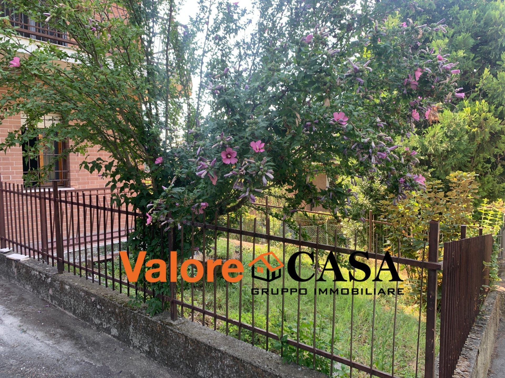 Appartamento piano terra con giardino privato