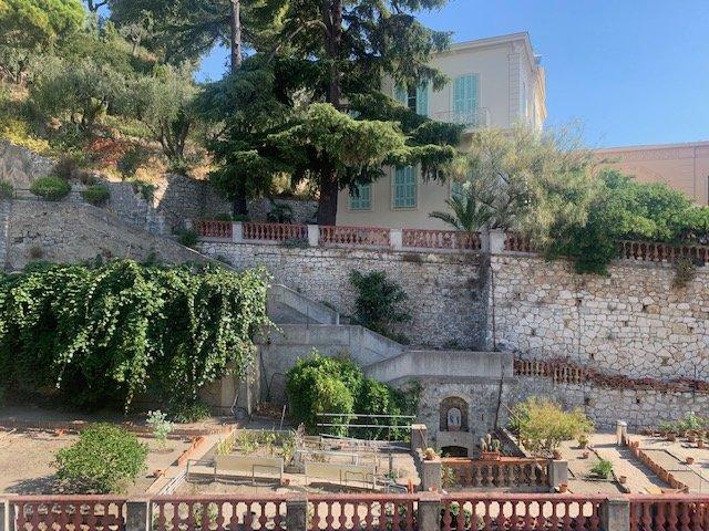 Bas Borrigo- Résidence de Standing- T2 Excellent état- Terrasse- vue très dégagée colline- Cave rdc- Possbilité Parking en plus-