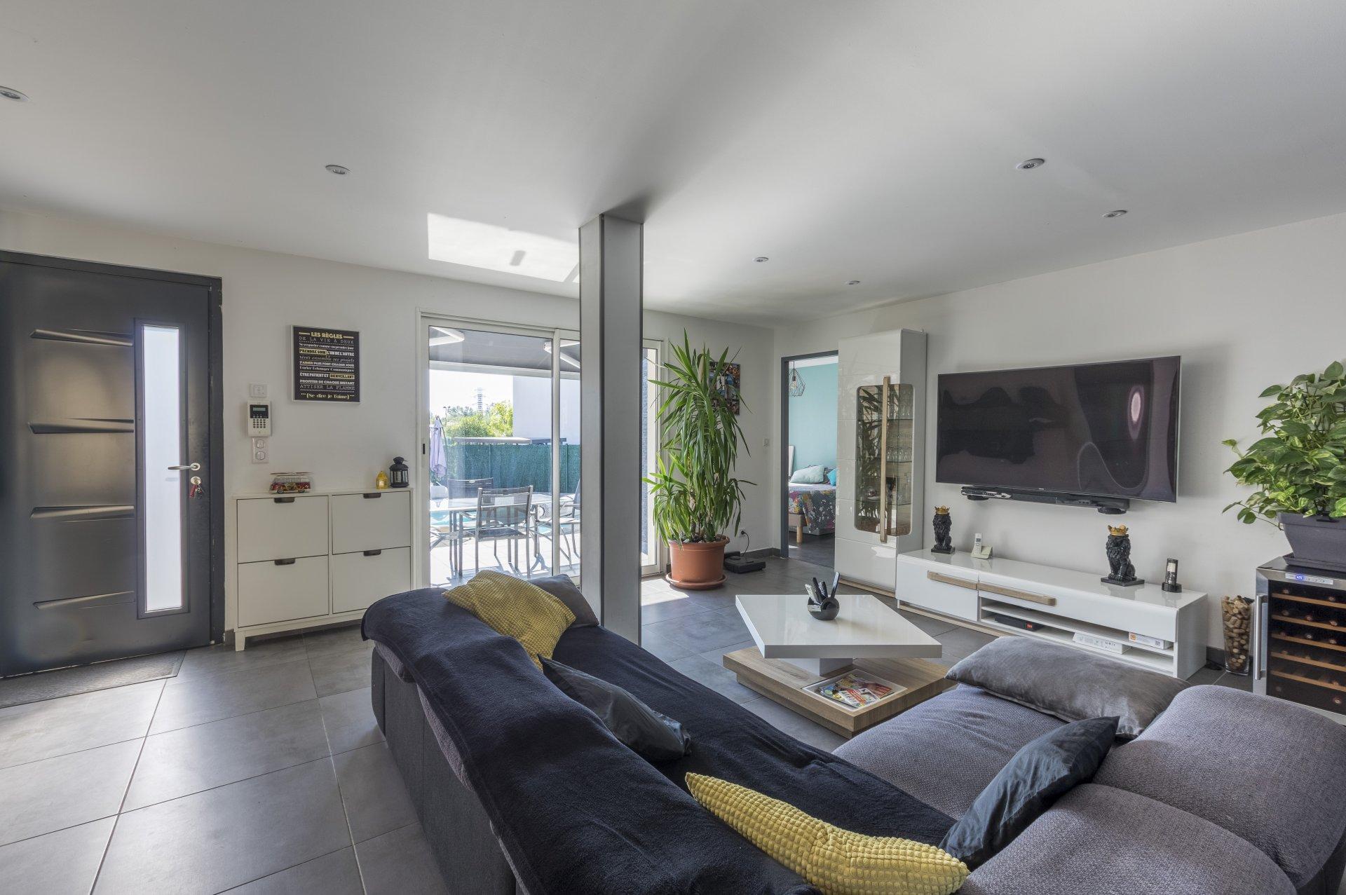 Dpt Hérault (34), à vendre GRABELS maison P5 de 120,87 m² - Terrain de 425,00 m² + piscine + garage + abri