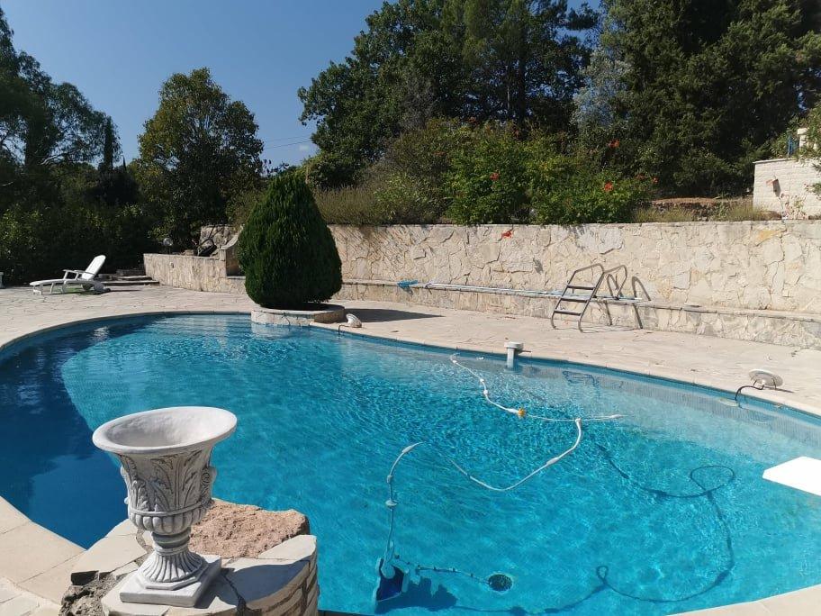 Cotignac grande villa quartier residentiel