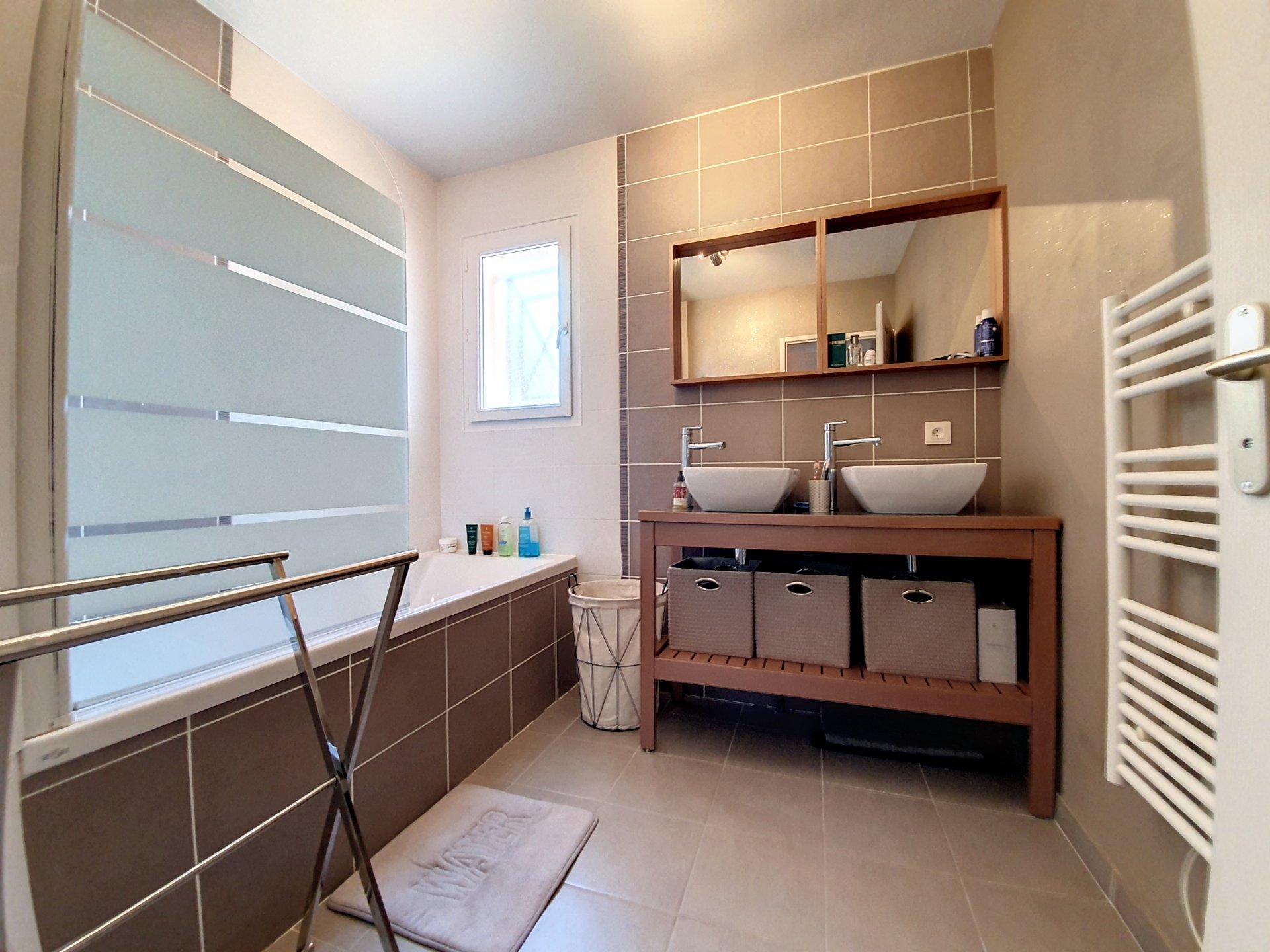 La terrasse/Grouchy t5 130m² + terrasse + Garage 40M²